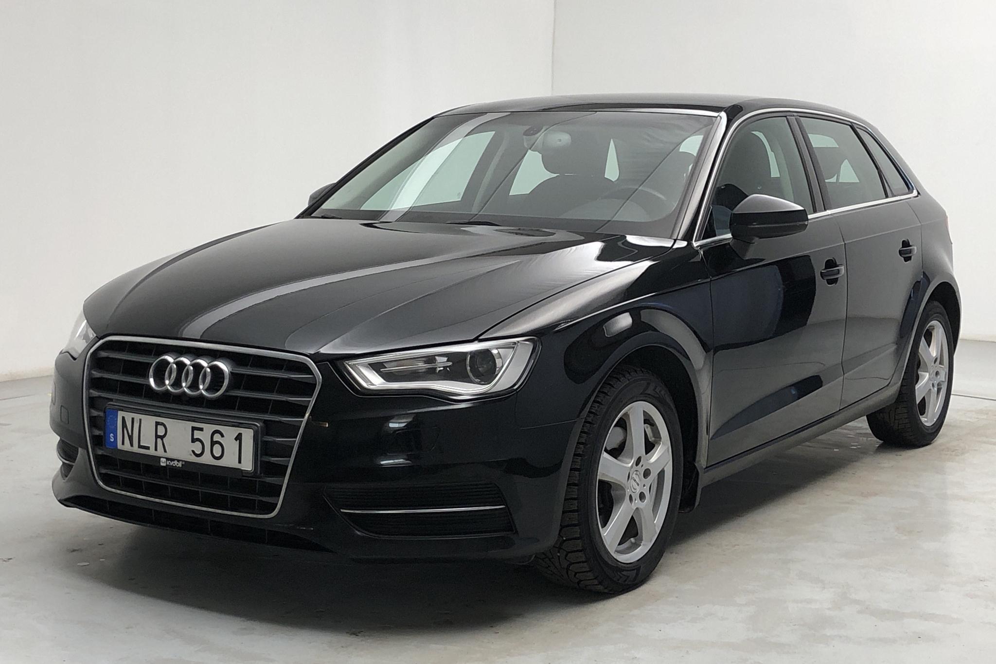 Audi A3 1.6 TDI Sportback (105hk) - 14 983 mil - Automat - svart - 2014