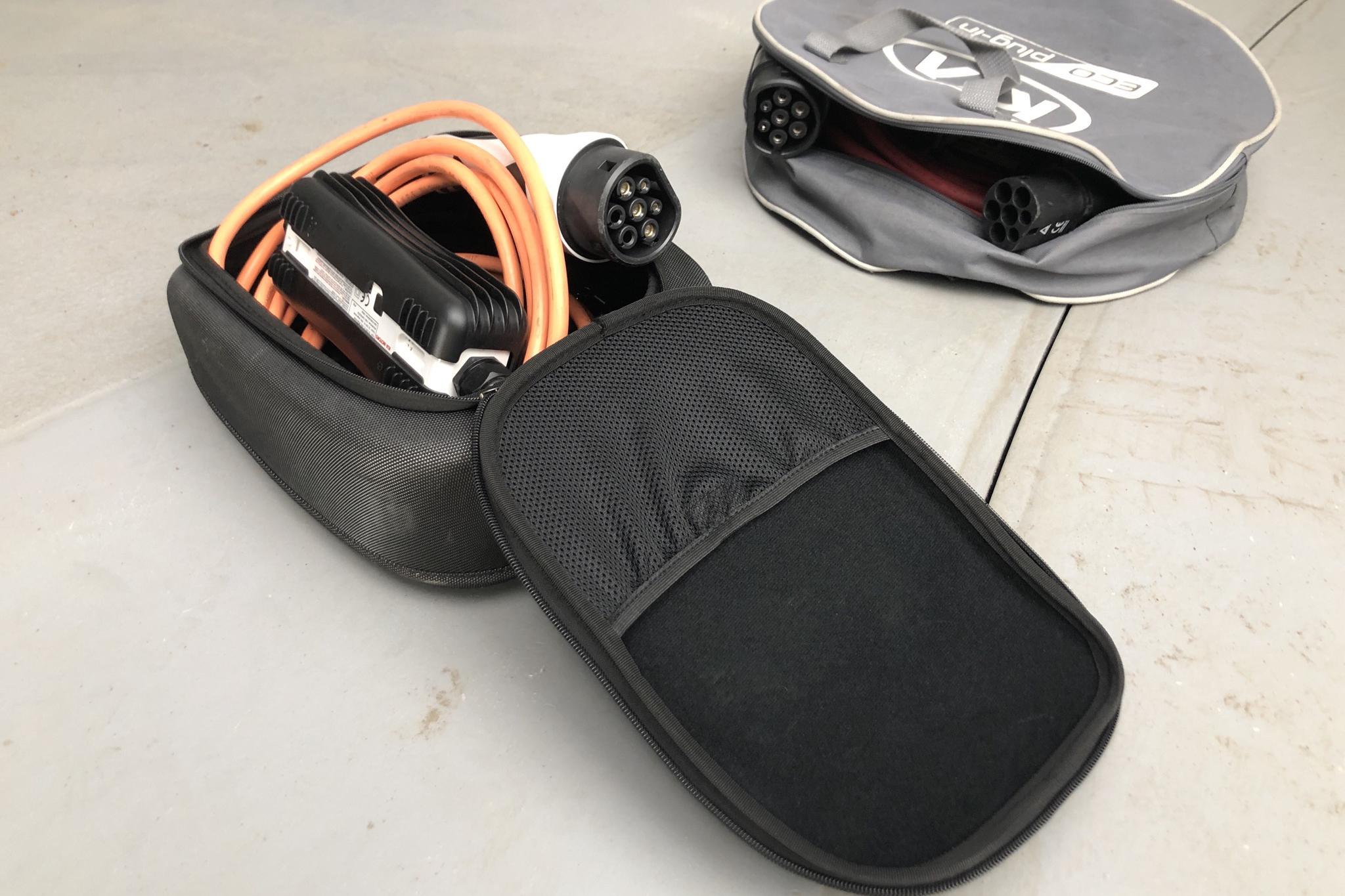 KIA Niro Plug-in Hybrid 1.6 (141hk) - 5 061 mil - Automat - vit - 2018