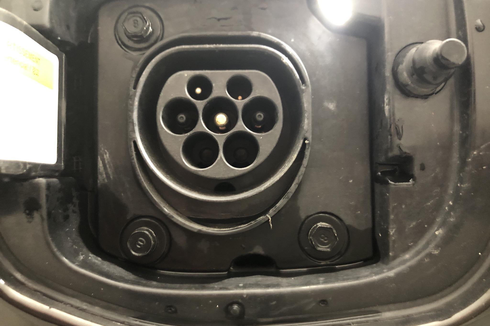 KIA Niro Plug-in Hybrid 1.6 (141hk) - 76 930 km - Automatic - brown - 2018