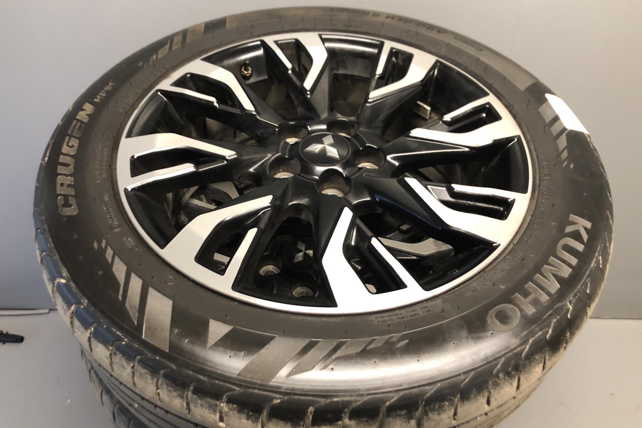 Mitsubishi Outlander 2.0 Plug-in Hybrid 4WD (121hk) - 162 750 km - Automatic - black - 2016