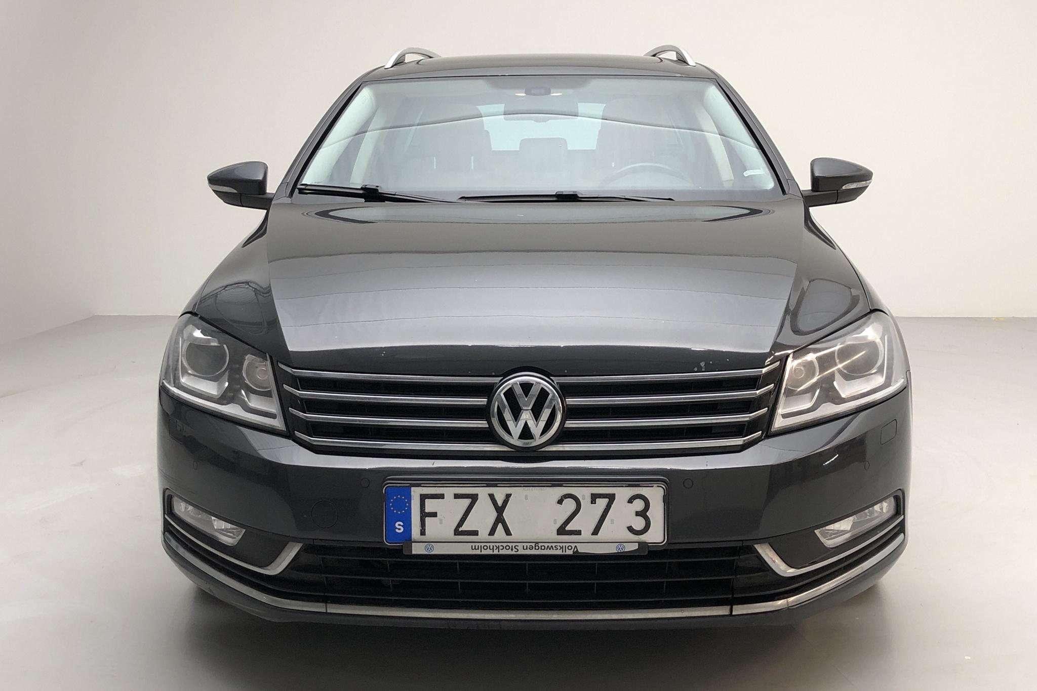 VW Passat 2.0 TDI BlueMotion Technology Variant (170hk) - 16 208 mil - Automat - Dark Grey - 2012