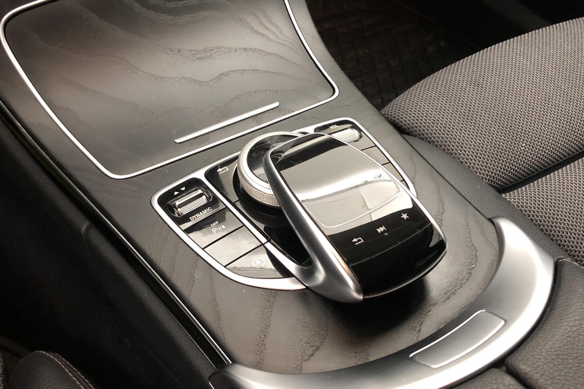Mercedes C 220 d Kombi S205 (170hk) - 13 432 mil - Automat - grå - 2018