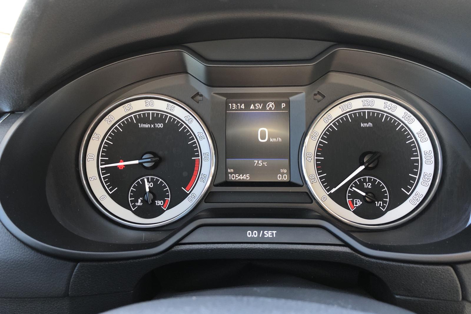 Skoda Octavia III 2.0 TDI Combi 4x4 (150hk) - 105 440 km - Automatic - silver - 2019