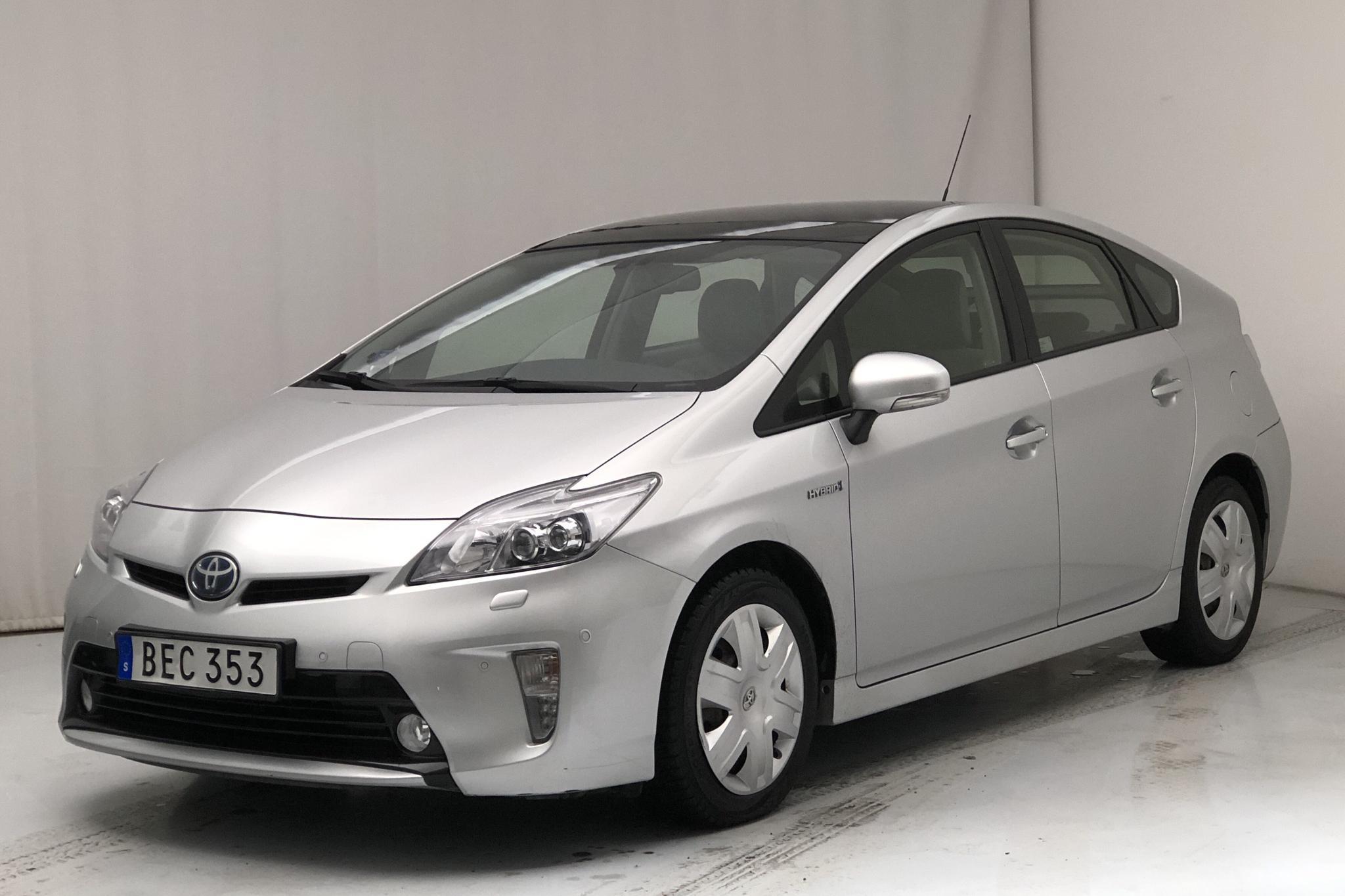 Toyota Prius 1.8 Hybrid (99hk) - 82 690 km - Automatic - silver - 2014