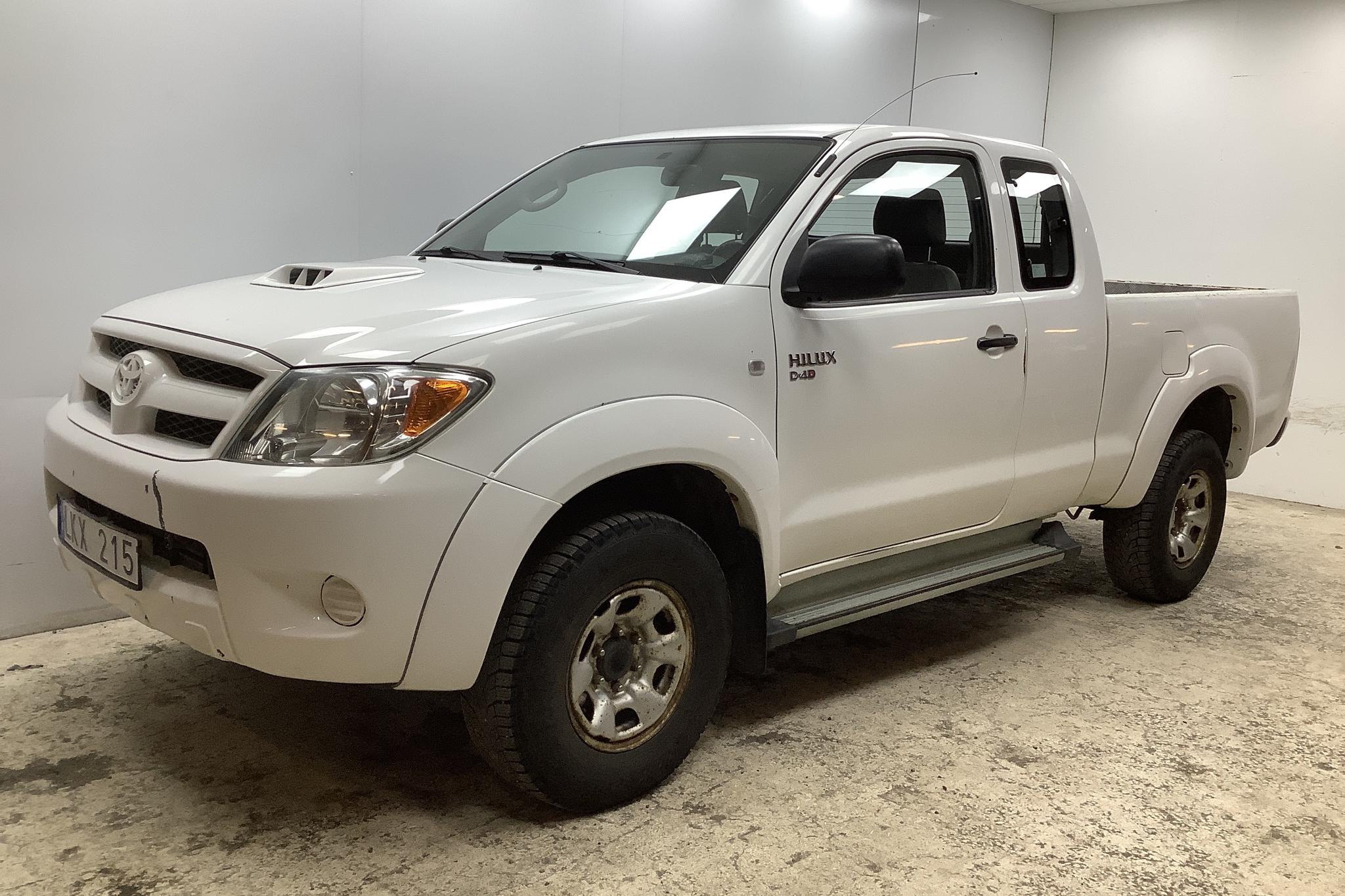 Toyota Hilux 2.5 D-4D 4WD (120hk) - 195 830 km - Manual - white - 2008