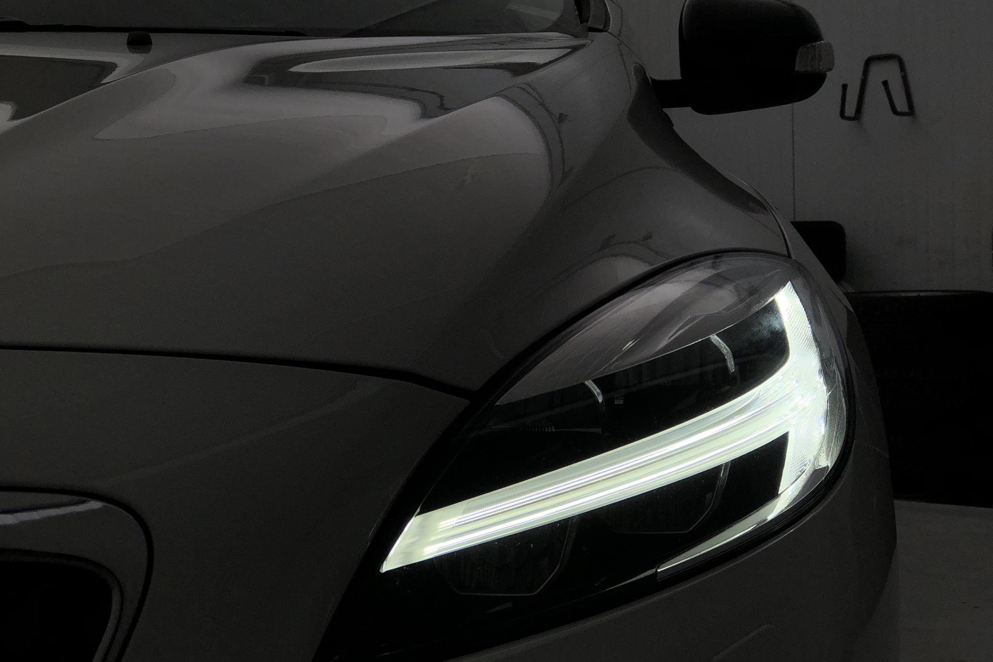 Volvo V40 Cross Country T3 (152hk) - 3 658 mil - Automat - vit - 2019