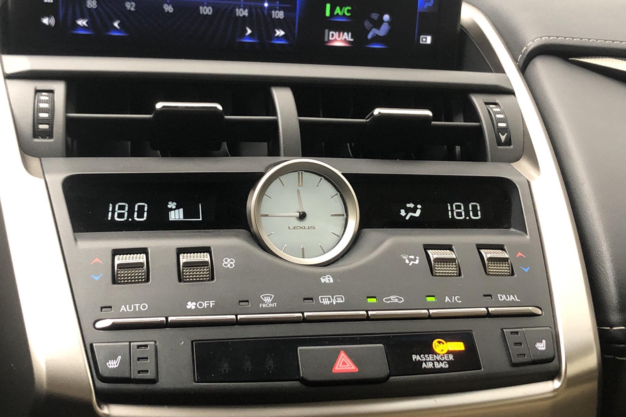 Lexus NX 300h AWD (181hk) - 39 040 km - Automatic - red - 2018