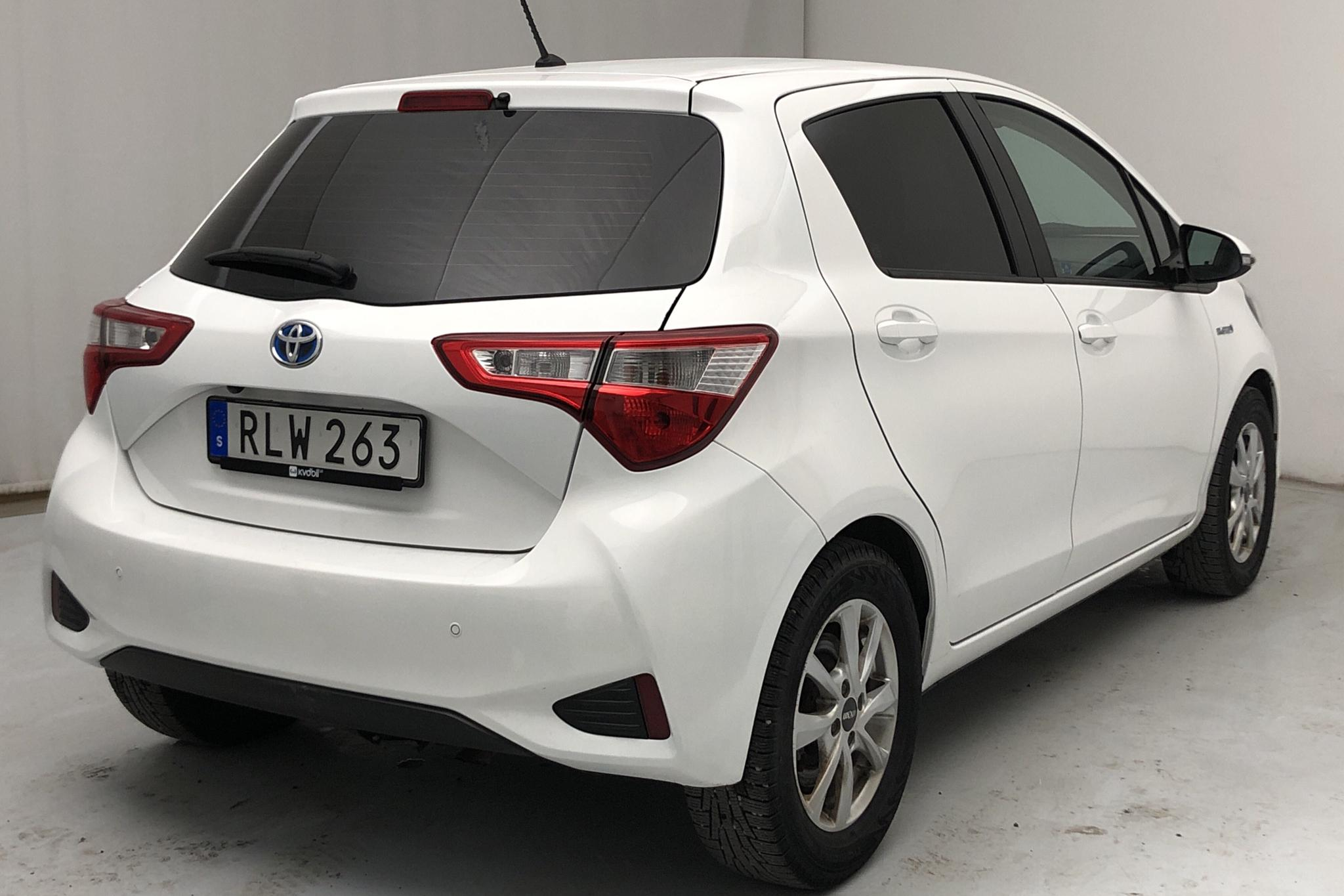 Toyota Yaris 1.5 Hybrid 5dr (101hk) - 123 970 km - Automatic - white - 2017