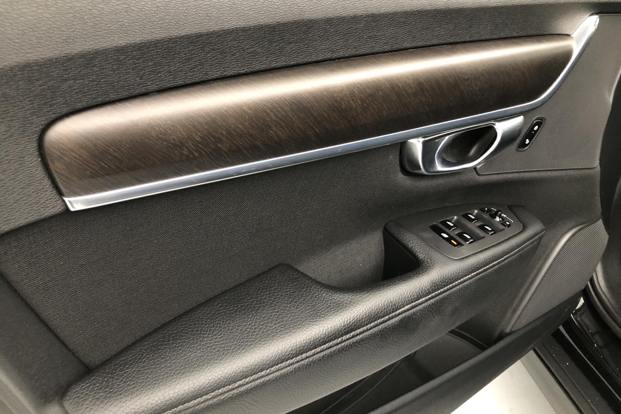 Volvo V90 D4 Cross Country AWD (190hk) - 17 254 mil - Automat - svart - 2018