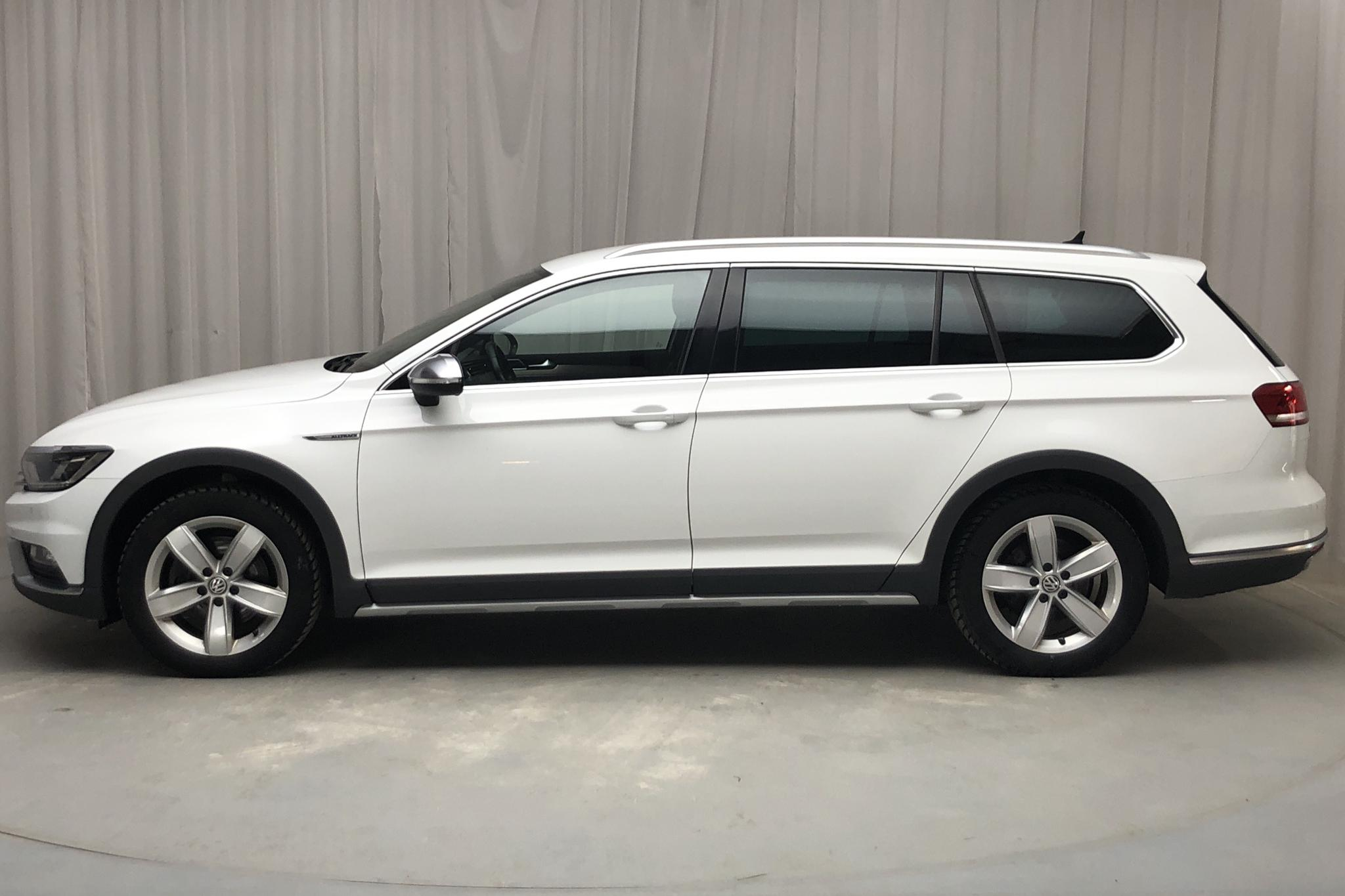 VW Passat Alltrack 2.0 TDI Sportscombi 4MOTION (190hk) - 152 000 km - Automatic - white - 2018