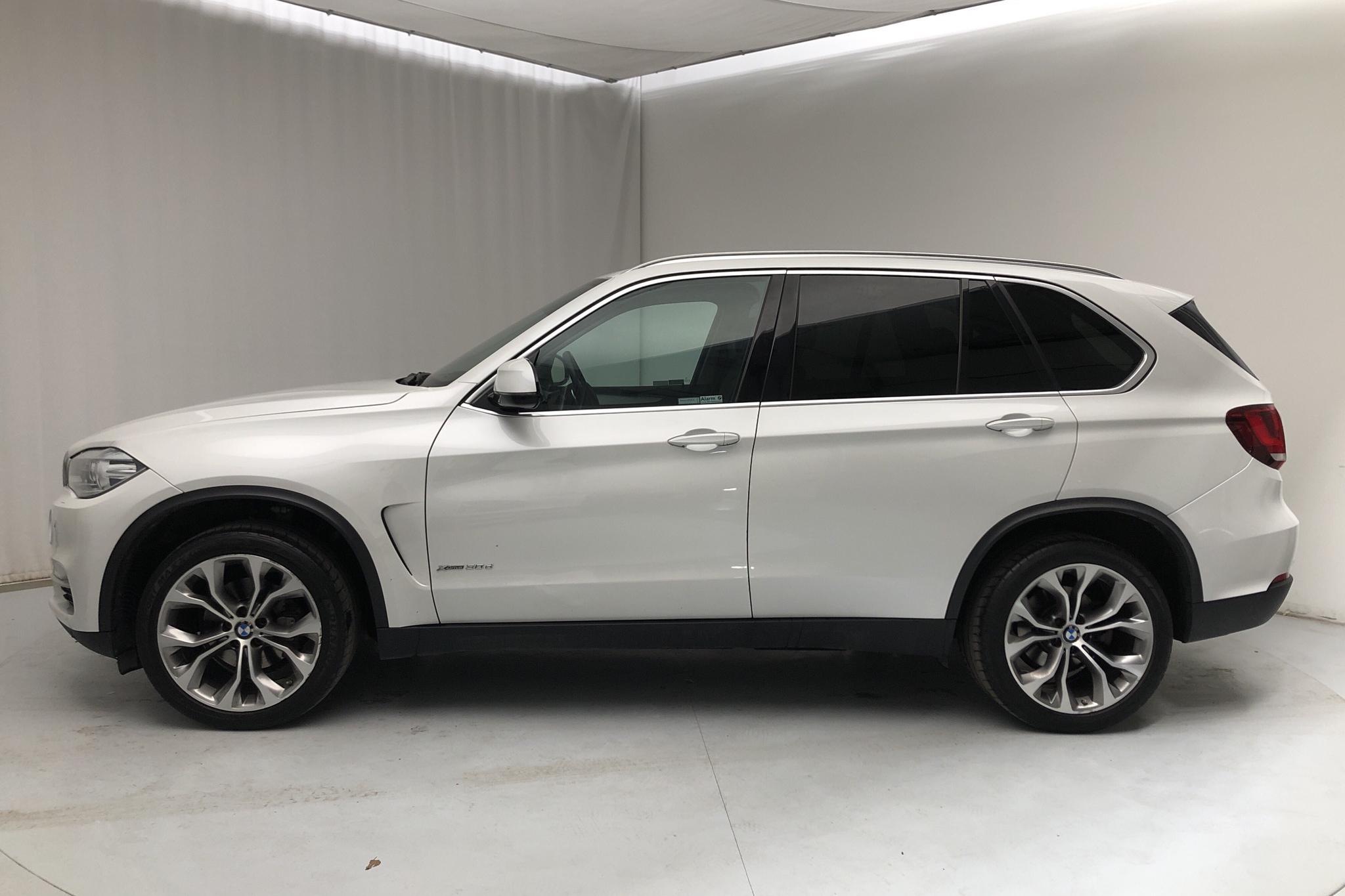 BMW X5 xDrive30d, F15 (258hk) - 75 170 km - Automatic - white - 2015