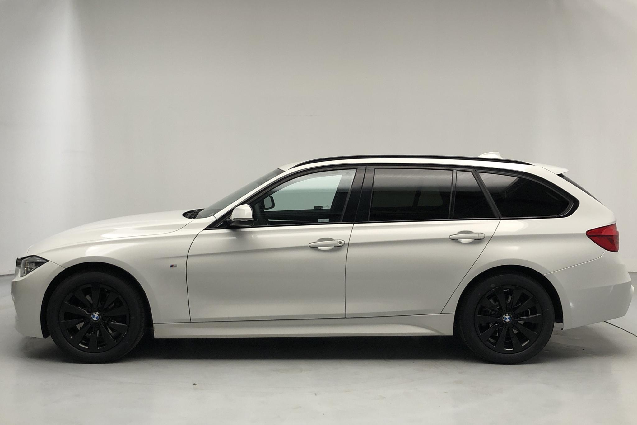 BMW 320d xDrive Touring, F31 (190hk) - 9 490 mil - Automat - vit - 2017