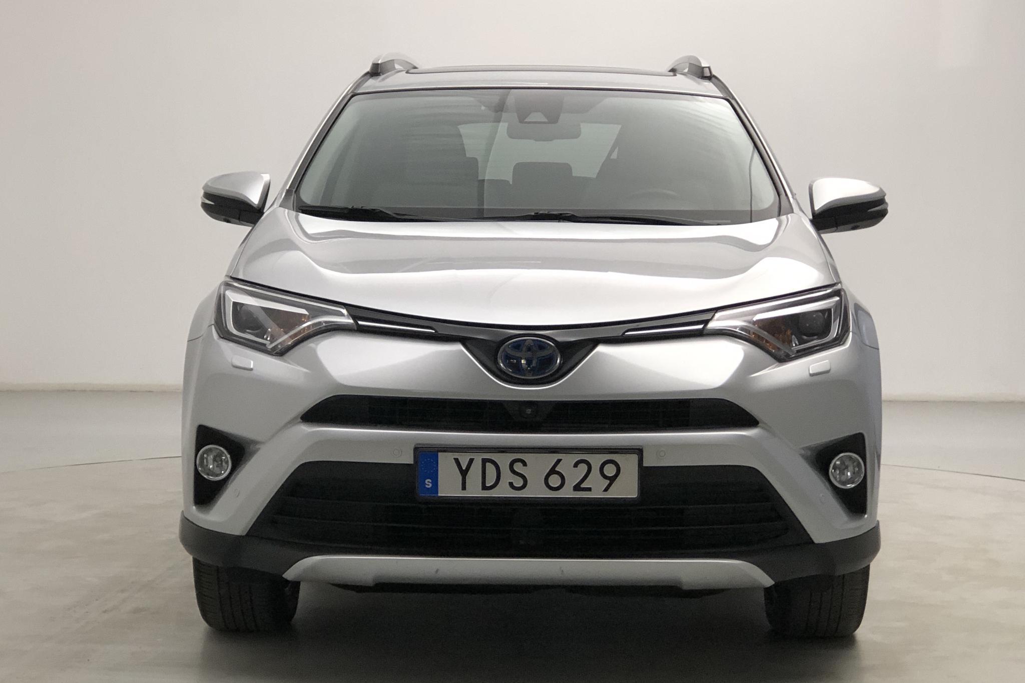 Toyota RAV4 2.5 HSD AWD (197hk) - 10 479 mil - Automat - silver - 2016
