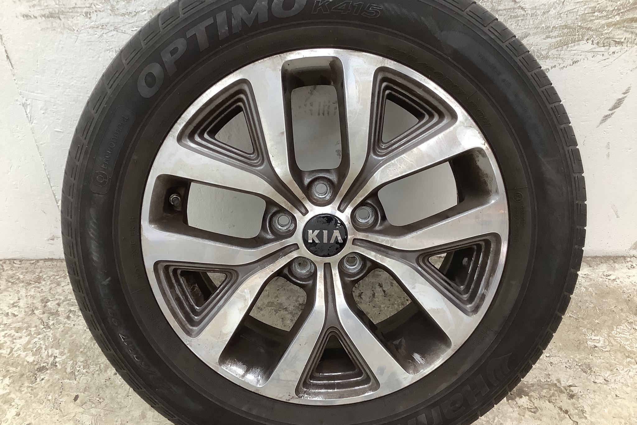 KIA Sportage 1.7 CRDi 2WD (115hk) - 6 640 mil - Manuell - vit - 2015