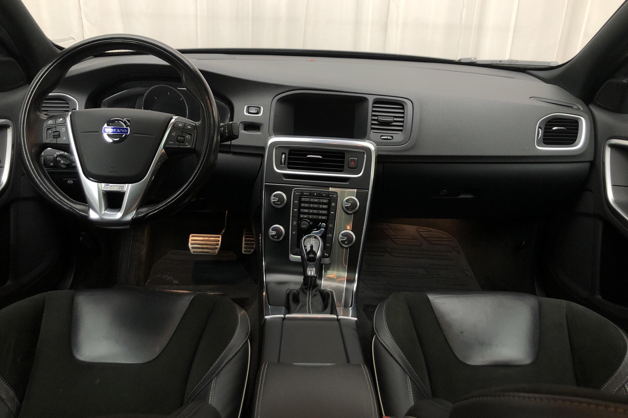 Volvo S60 D4 (190hk) - 9 591 mil - Automat - svart - 2016