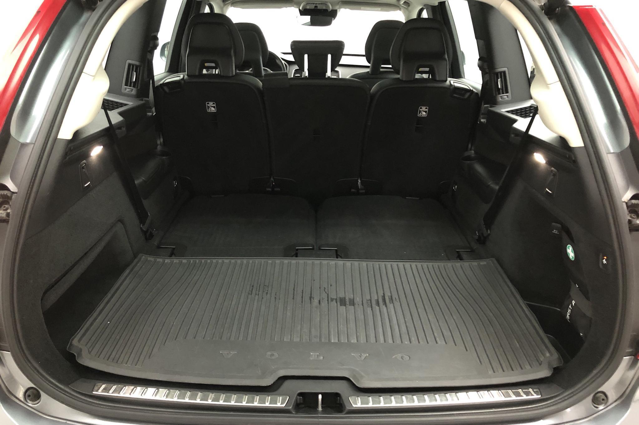 Volvo XC90 T8 AWD Twin Engine (400hk) - 7 172 mil - Automat - grå - 2018