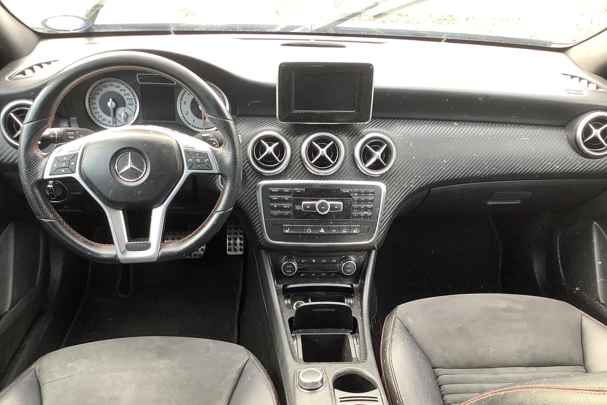 Mercedes A 200 5dr W176 (156hk) - 15 185 mil - Automat - Dark Blue - 2013