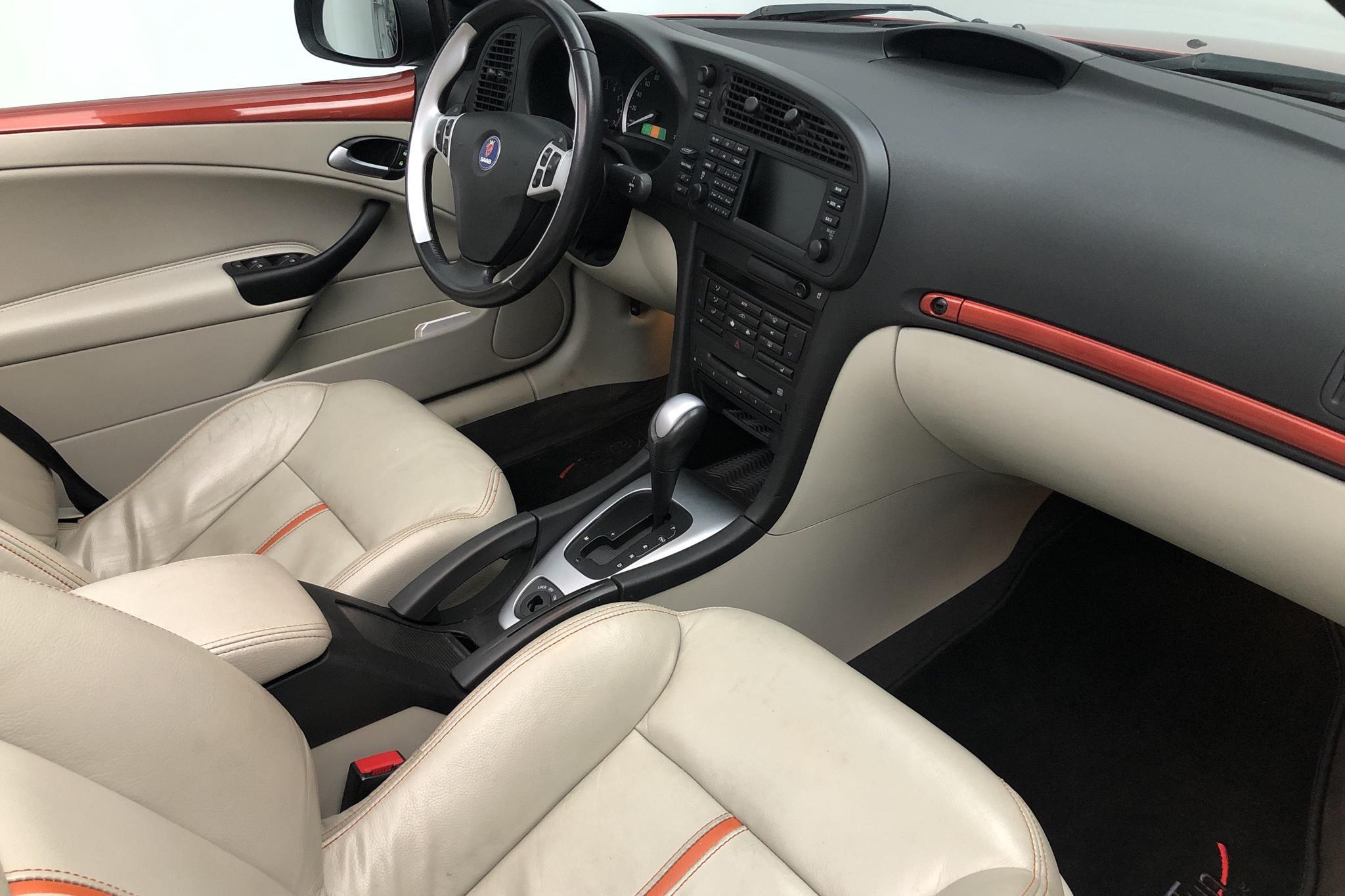 Saab 9-3 2.0t Cabriolet (175hk) - 21 373 mil - Automat - Dark Red - 2005