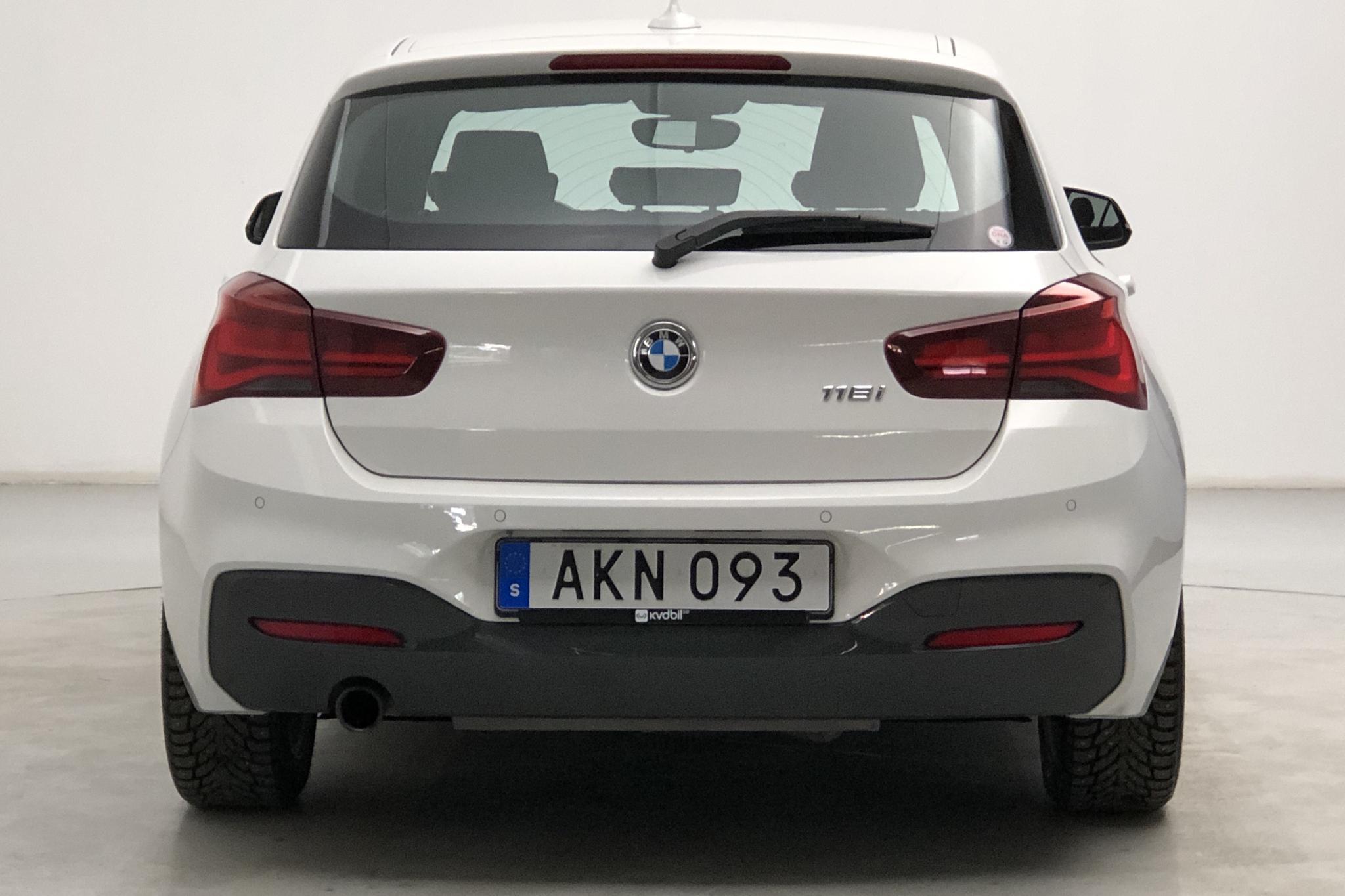 BMW 118i 5dr, F20 (136hk) - 22 390 km - Manual - white - 2019