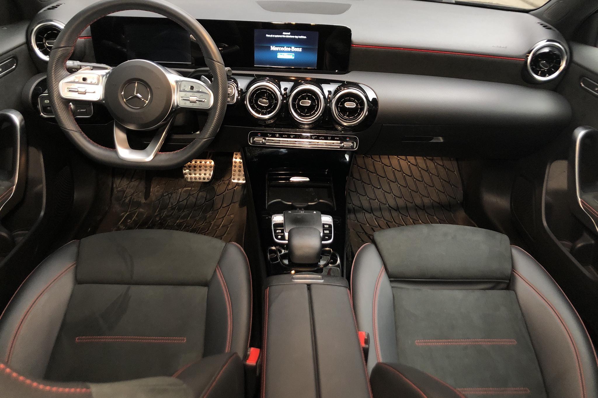 Mercedes A 180 5dr W177 (136hk) - 41 960 km - Automatic - black - 2020