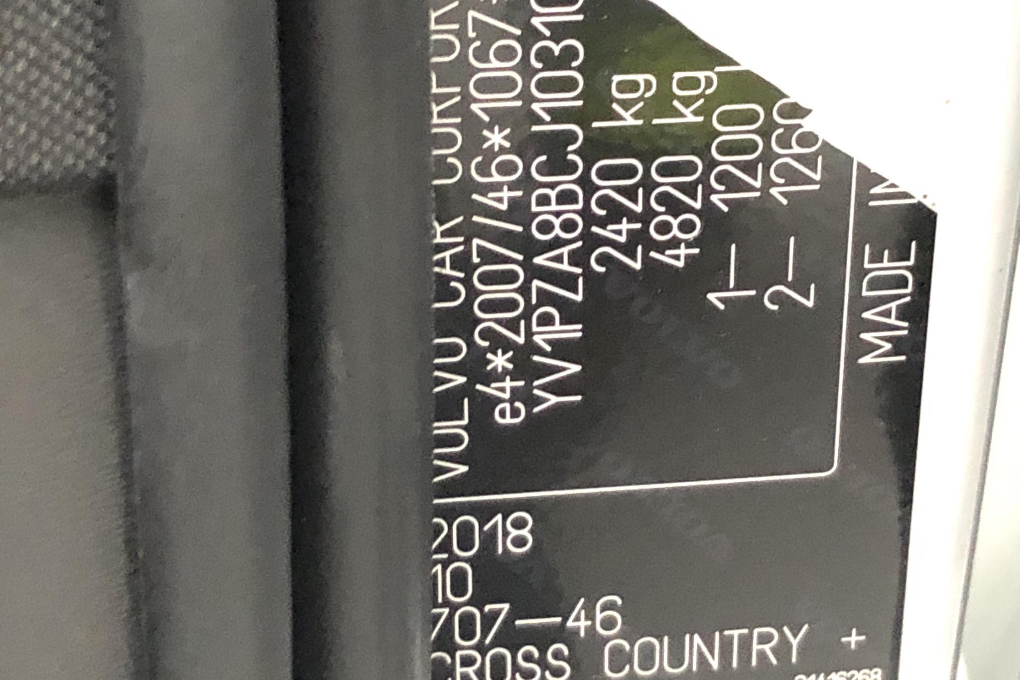Volvo V90 D4 Cross Country AWD (190hk) - 11 447 mil - Automat - vit - 2018