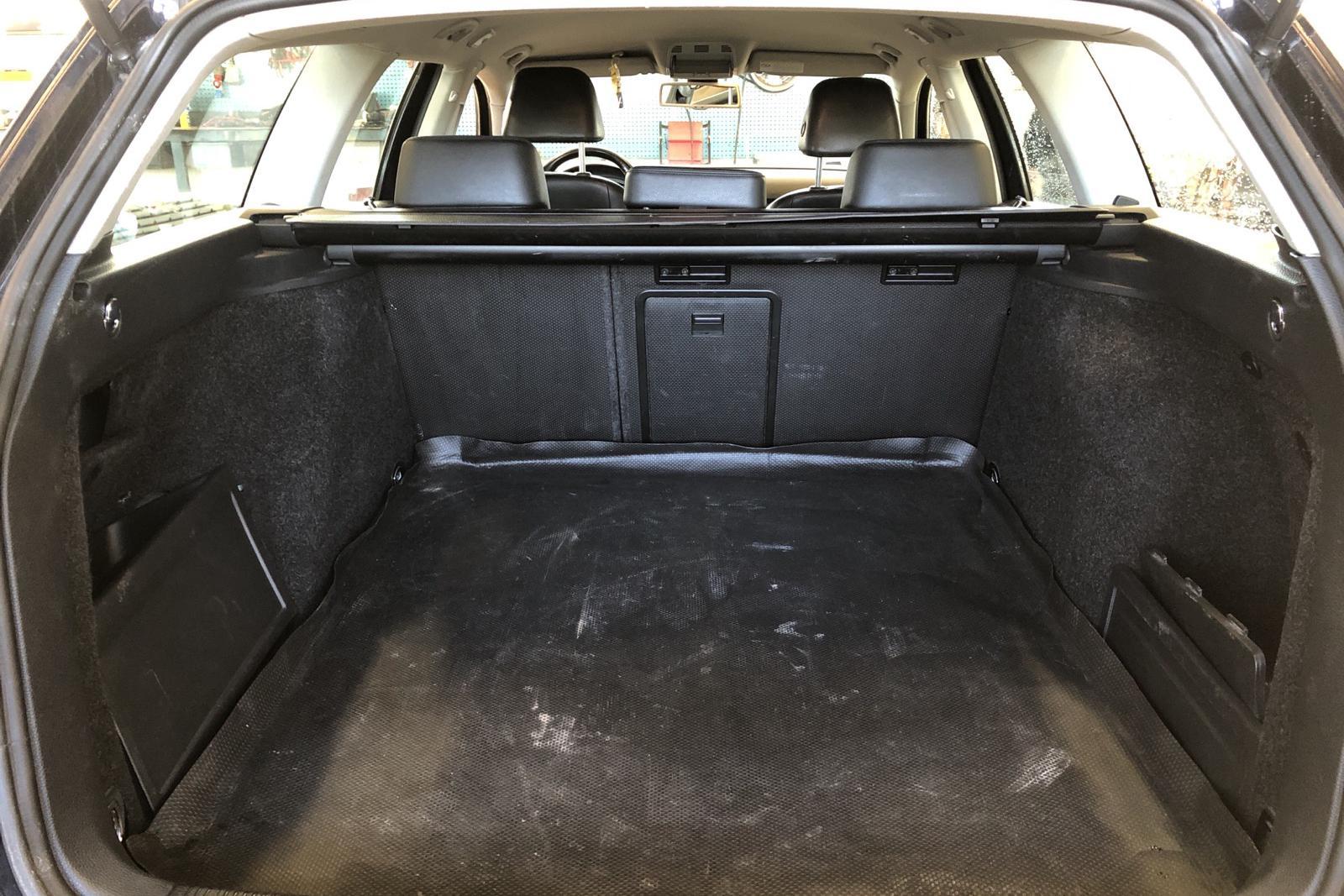 VW Passat 1.4 TSI EcoFuel Variant (150hk) - 22 174 mil - Automat - svart - 2010