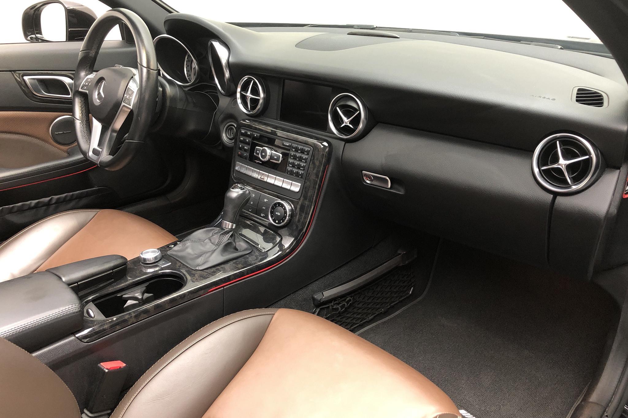 Mercedes SLK 350 V6 R172 (306hk) - 63 810 km - Automatic - black - 2012