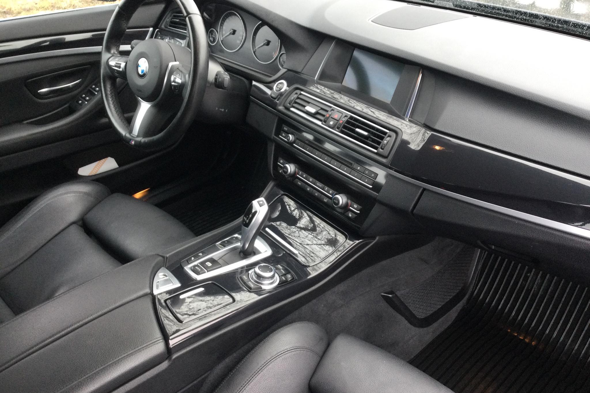 BMW 520d xDrive Touring, F11 (190hk) - 8 065 mil - Automat - blå - 2017