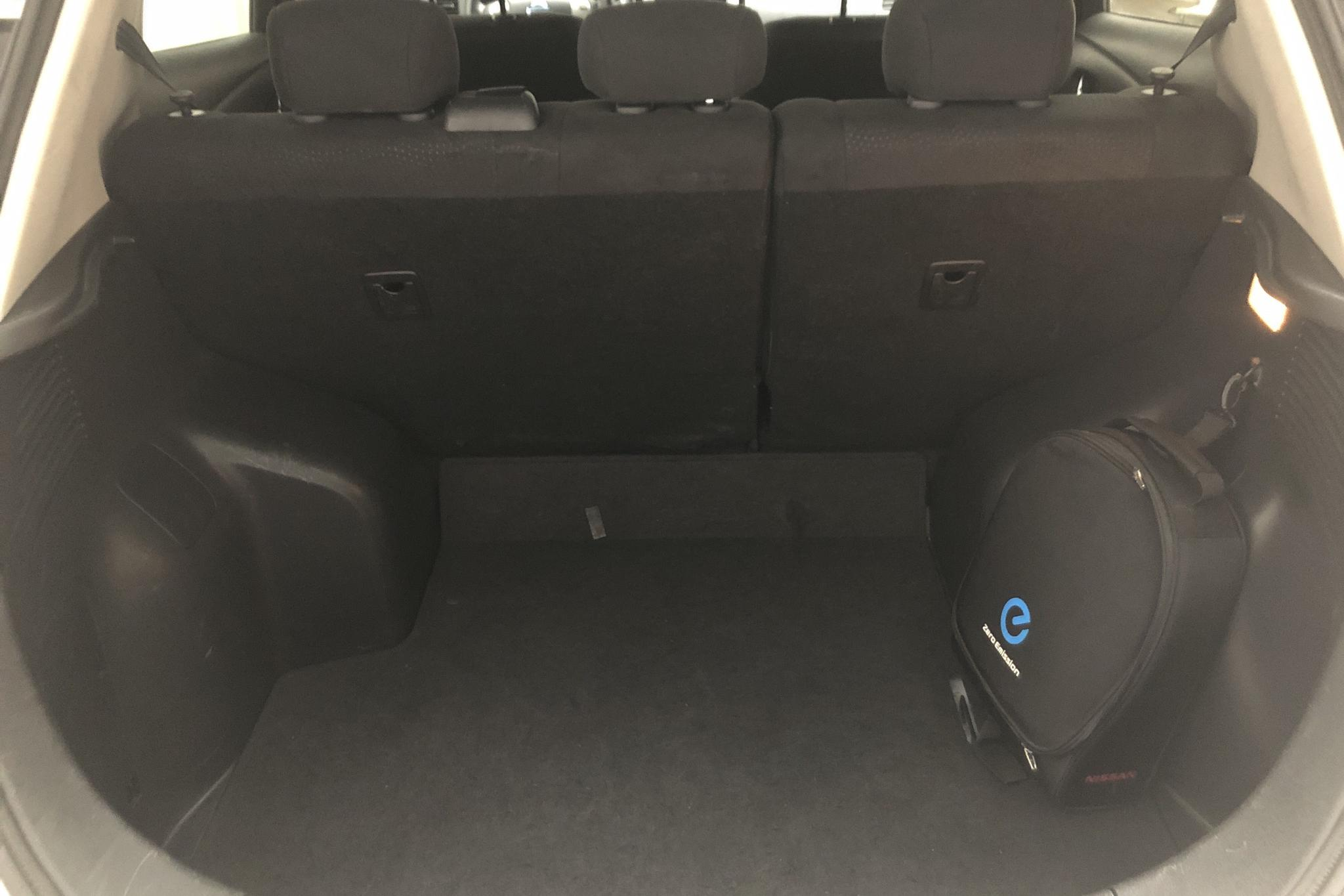 Nissan LEAF 5dr (109hk) - 40 630 km - Automatic - white - 2017