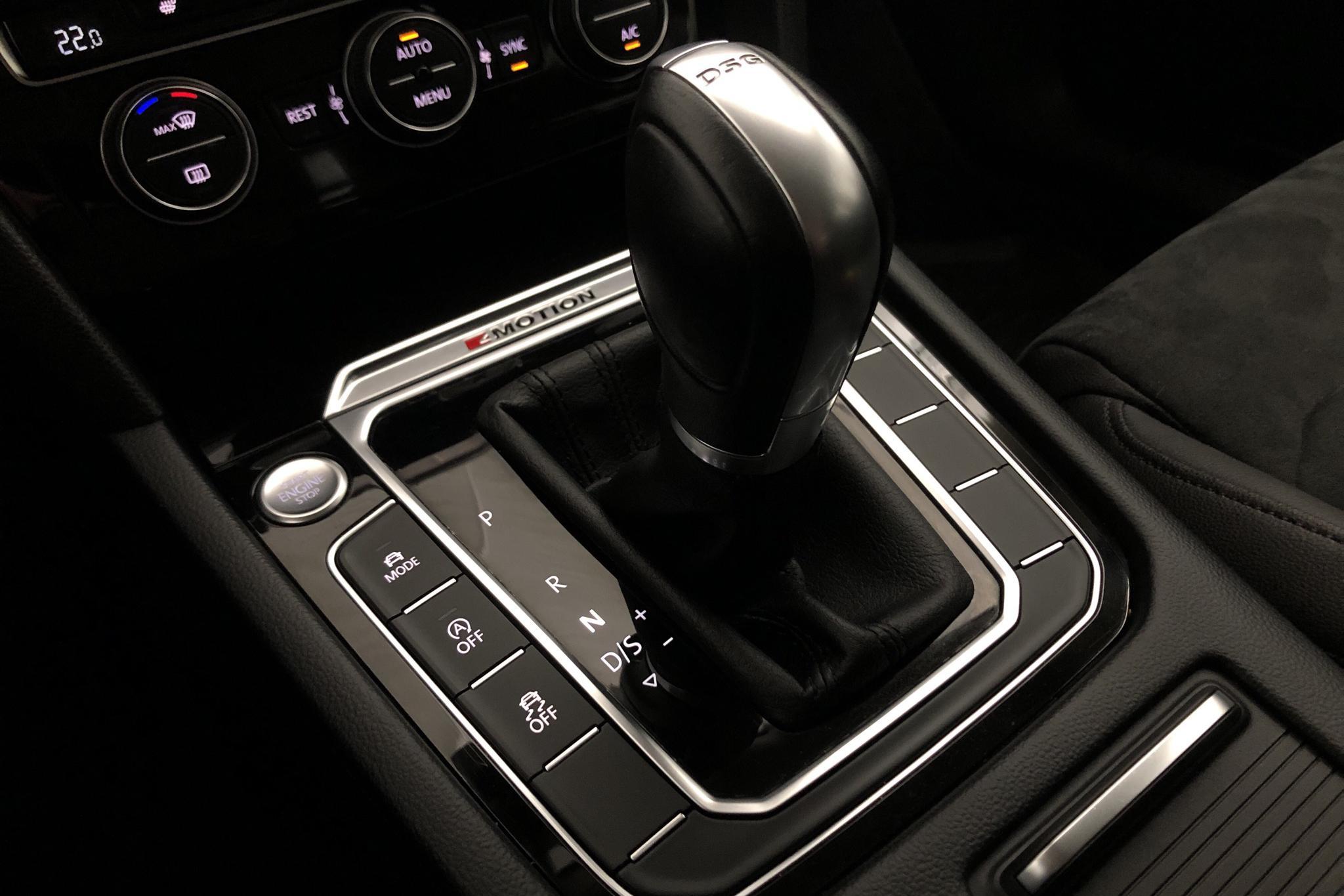 VW Passat 2.0 TDI Sportscombi 4MOTION (190hk) - 8 413 mil - Automat - svart - 2018