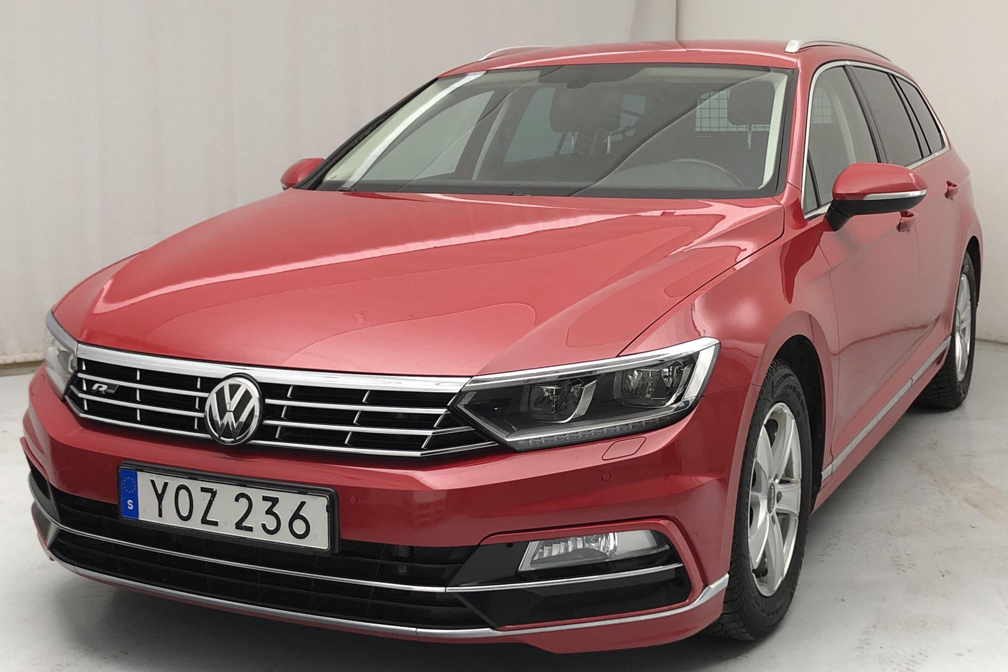 VW Passat 2.0 TDI Sportscombi (190hk) - 10 663 mil - Automat - röd - 2018