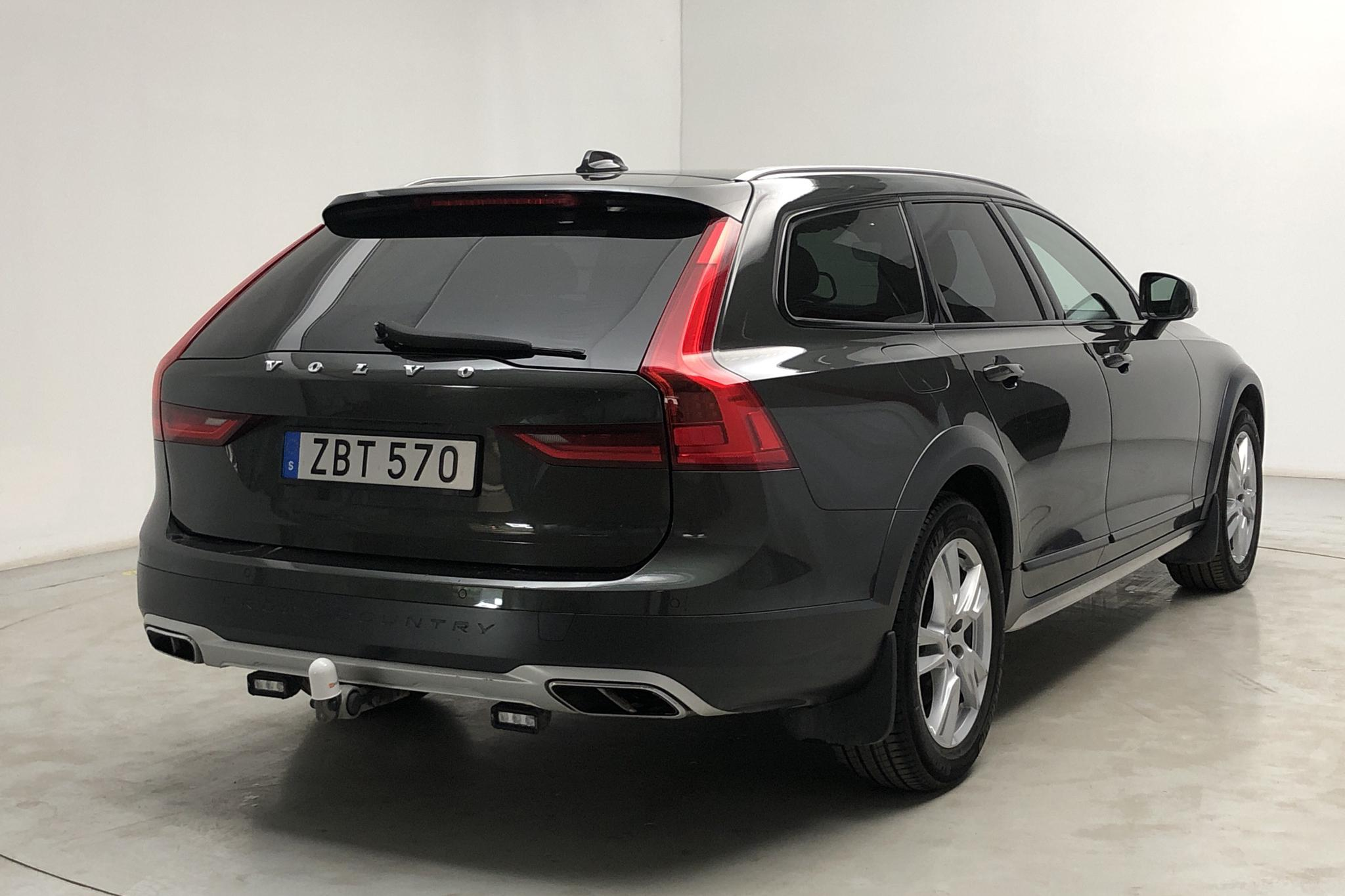 Volvo V90 D5 Cross Country AWD (235hk) - 108 090 km - Automatic - Dark Grey - 2018