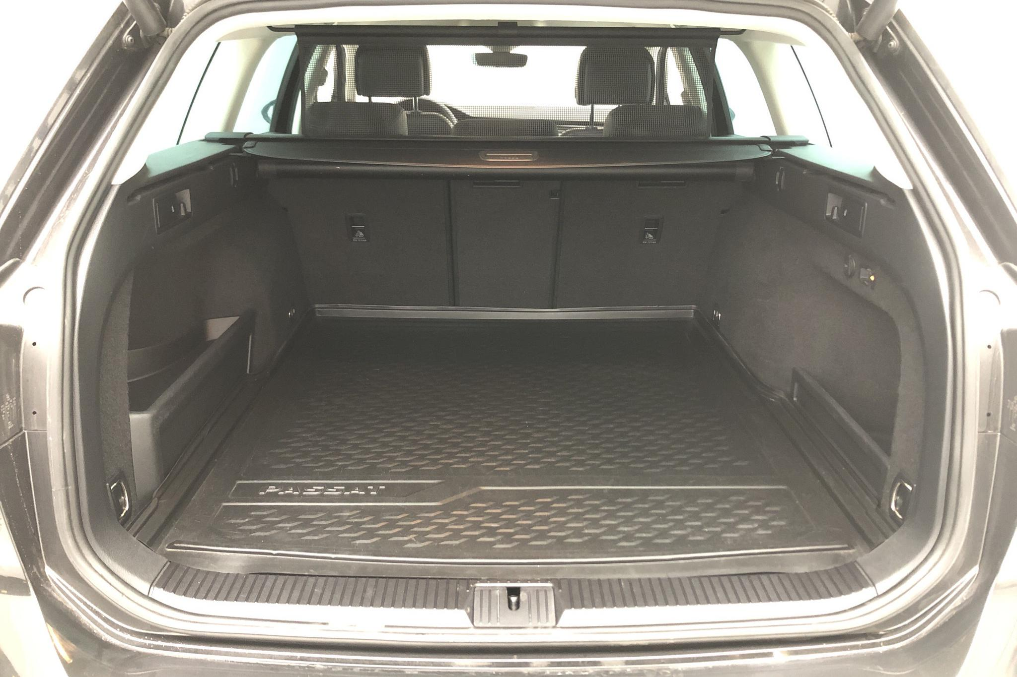 VW Passat 2.0 TDI Sportscombi 4MOTION (190hk) - 54 360 km - Automatic - Dark Grey - 2018