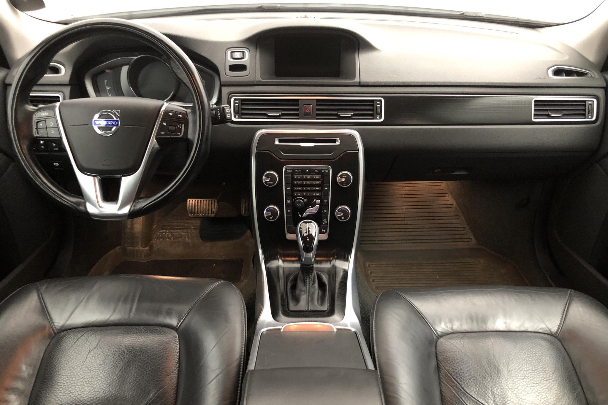 Volvo XC70 II D4 AWD (181hk) - 188 820 km - Automatic - white - 2014