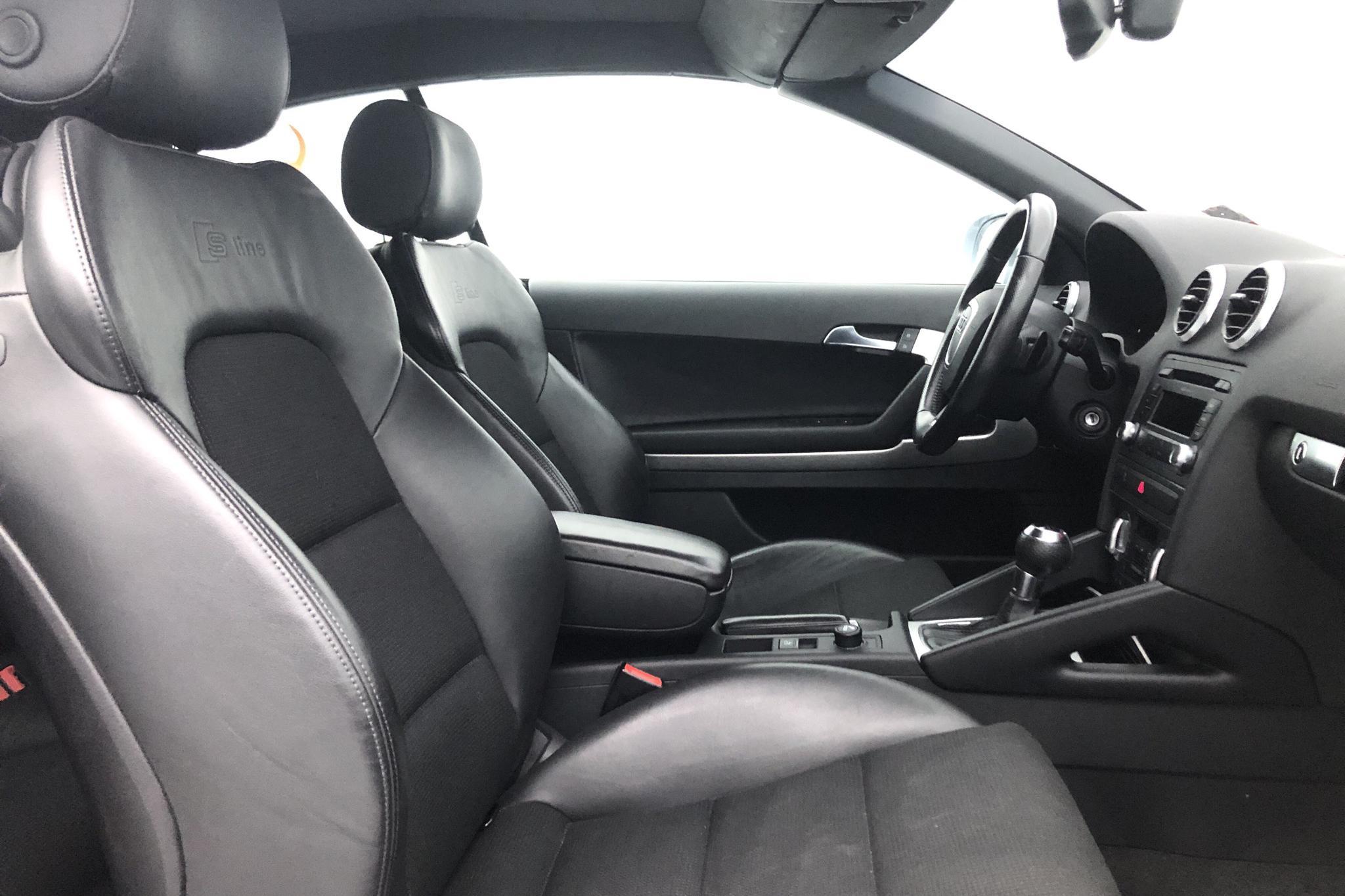 Audi A3 1.8 TFSI Cabriolet (160hk) - 4 954 mil - Automat - silver - 2011