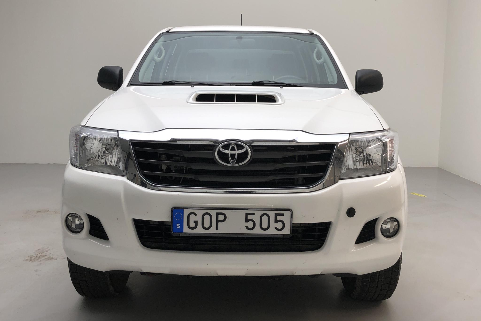 Toyota Hilux 2.5 D-4D 4WD (144hk) - 73 260 km - Manual - white - 2013