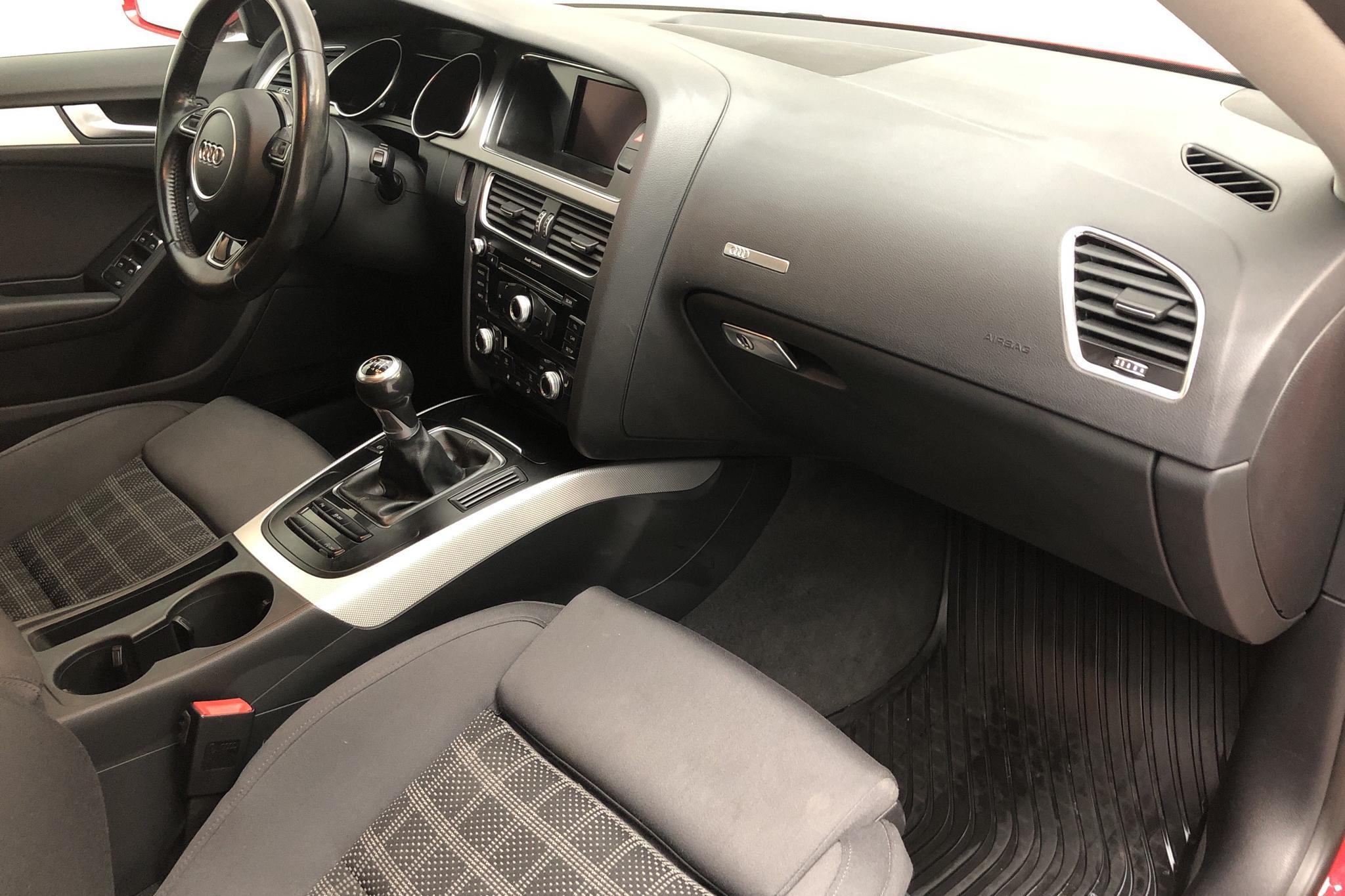 Audi A5 1.8 TFSI Sportback (170hk) - 138 040 km - Manual - red - 2012