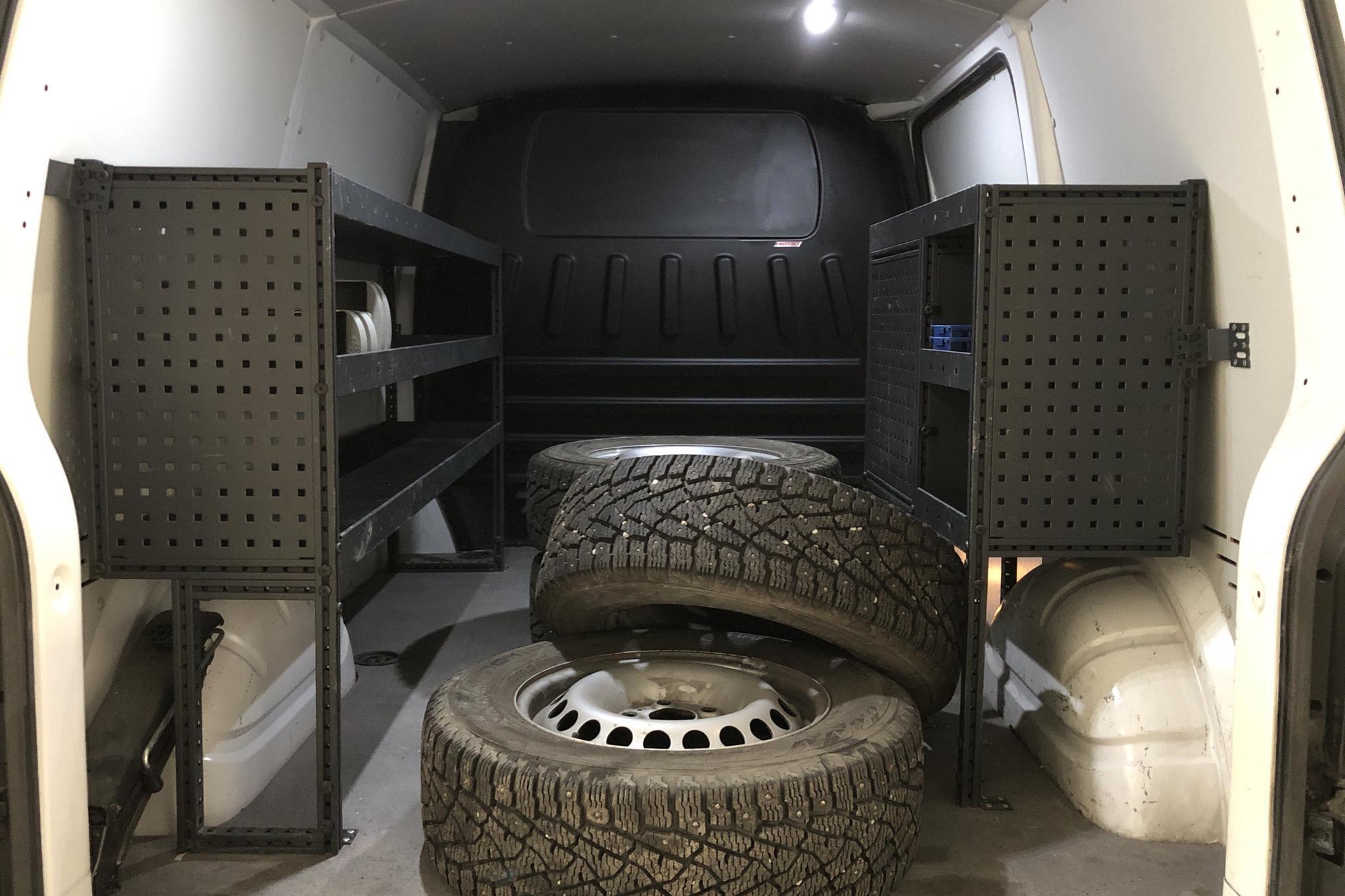 VW Transporter T6 2.0 TDI BMT Skåp (150hk) - 1 286 mil - Manuell - vit - 2018