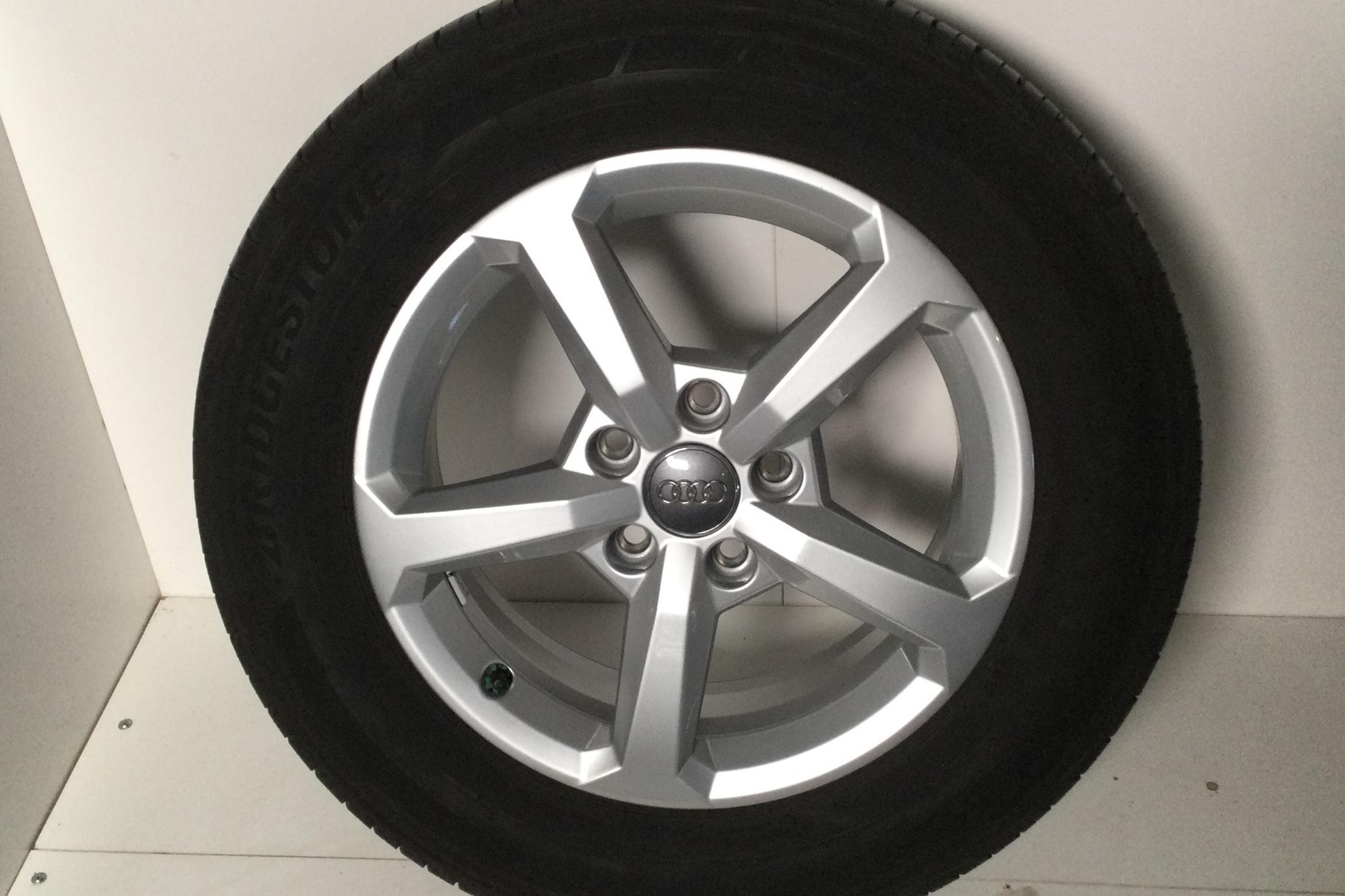 Audi Q2 1.6 TDI (116hk) - 5 653 mil - Manuell - svart - 2018