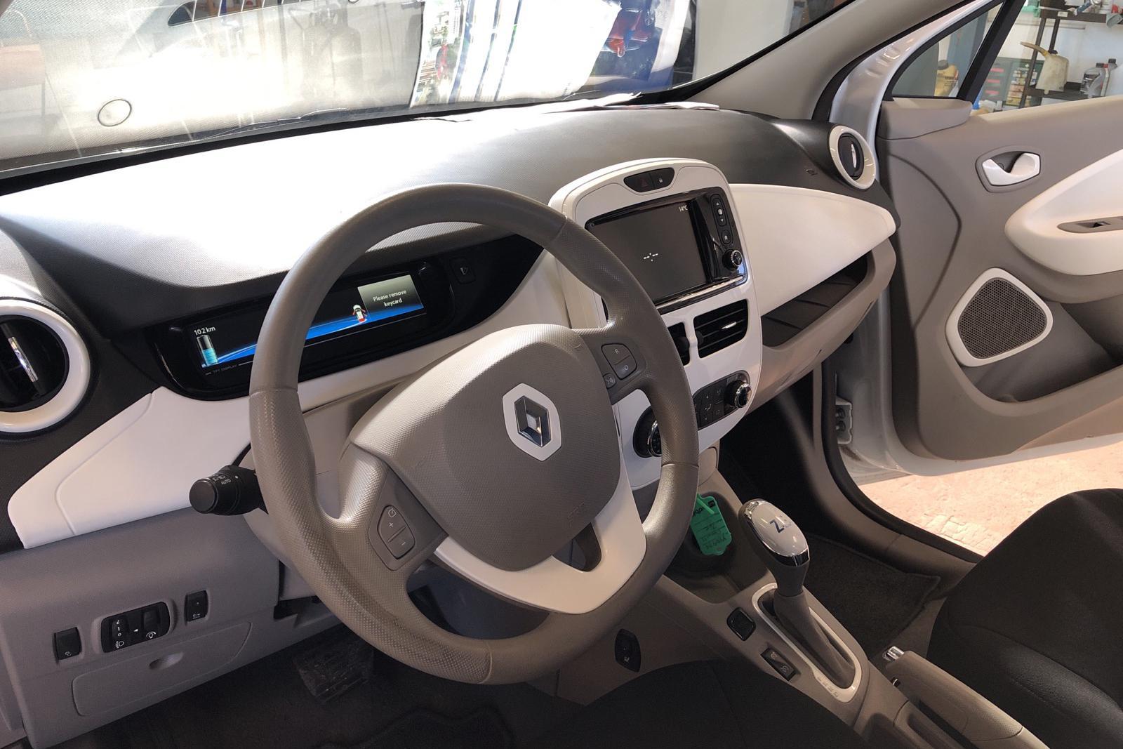 Renault Zoe 41 kWh R90 (92hk) - 59 560 km - Automatic - white - 2019