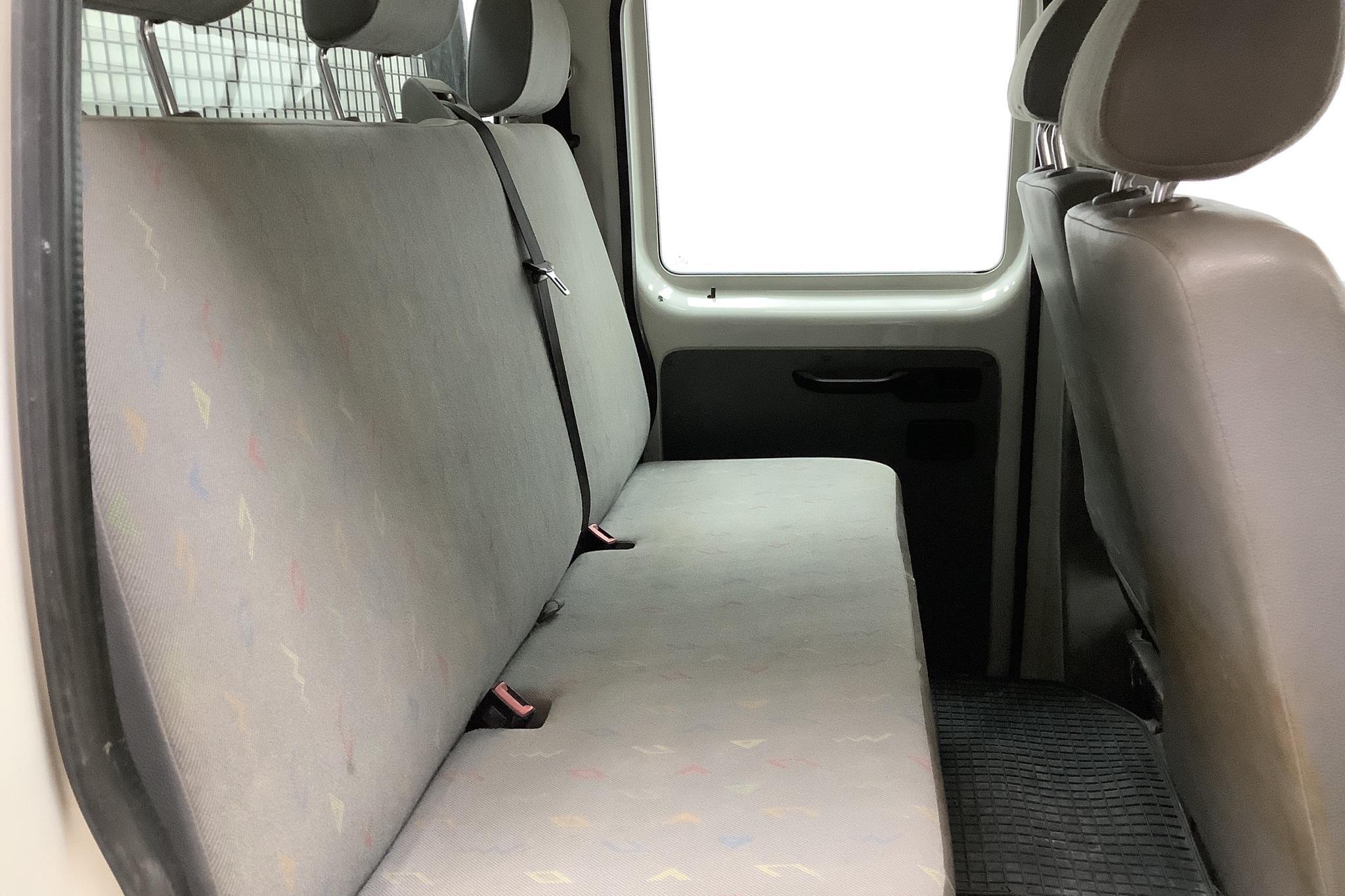 VW Transporter T5 2.0 Pickup (115hk) - 16 765 mil - Manuell - vit - 2006