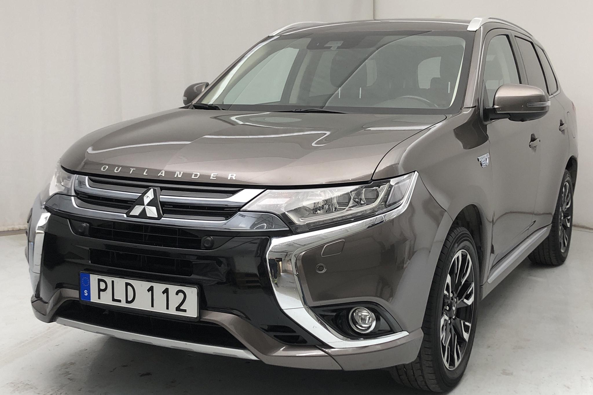 Mitsubishi Outlander 2.0 Plug-in Hybrid 4WD (121hk) - 68 580 km - Automatic - brown - 2017