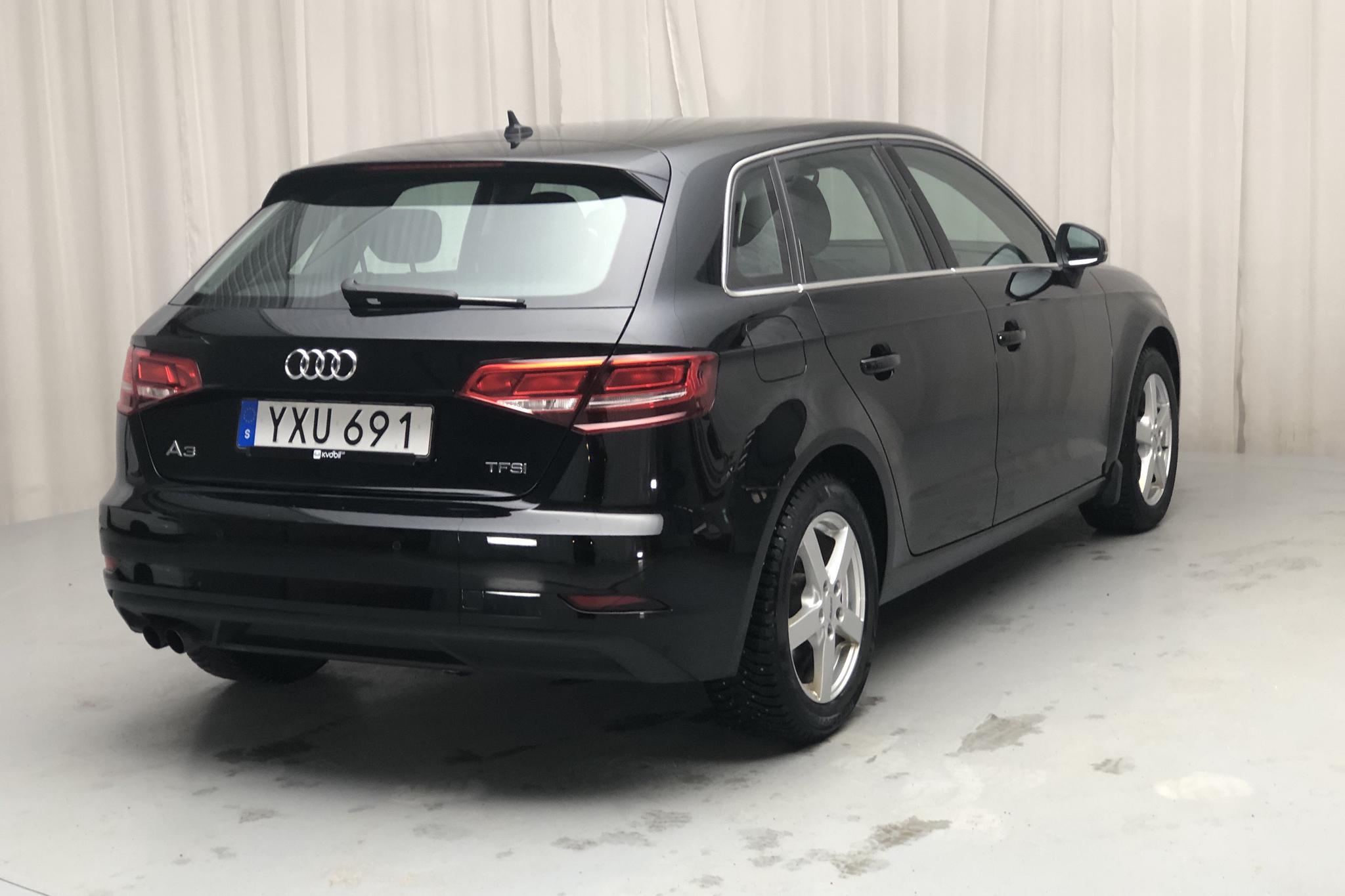 Audi A3 1.5 TFSI Sportback (150hk) - 5 997 mil - Manuell - svart - 2018