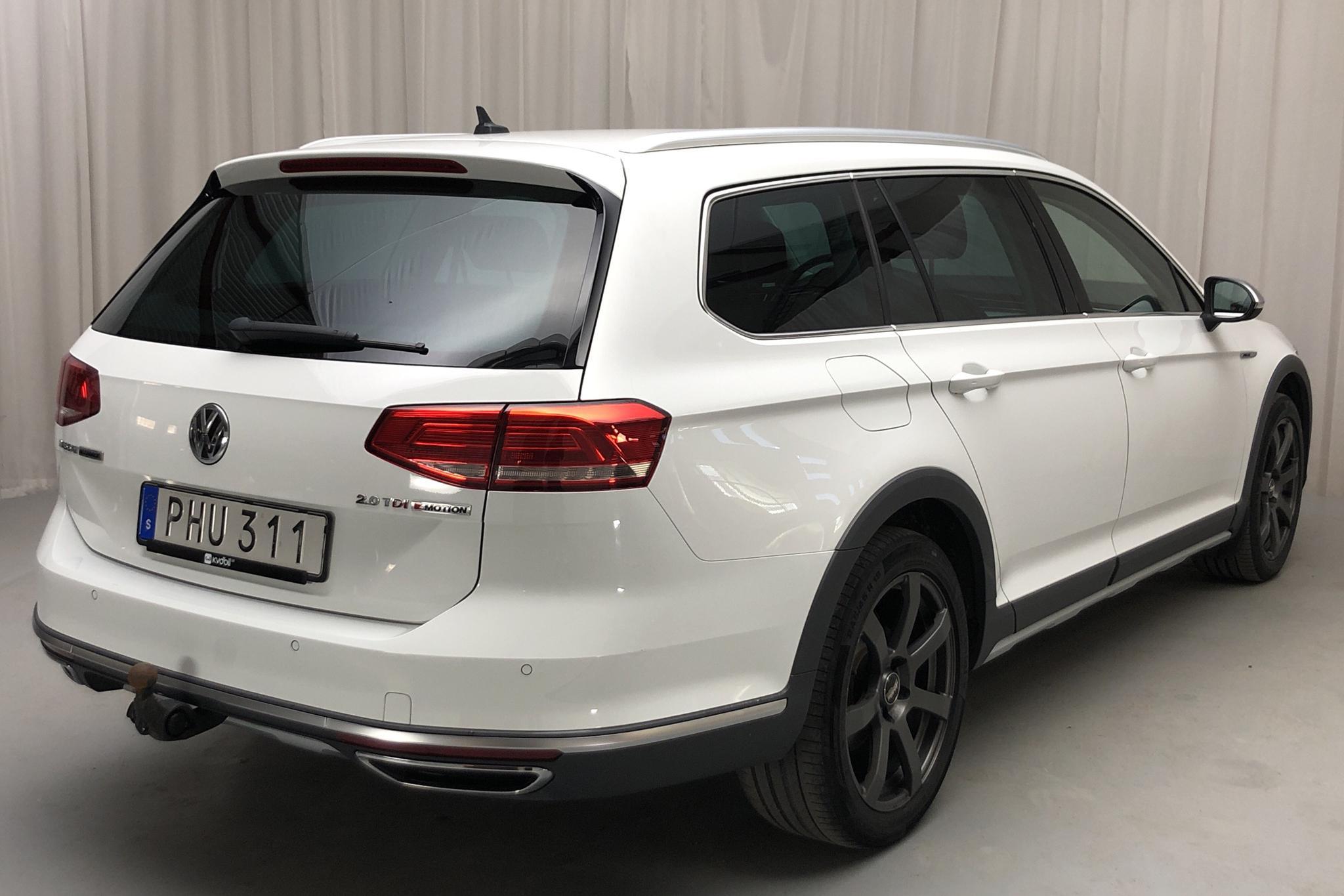 VW Passat Alltrack 2.0 TDI Sportscombi 4MOTION (190hk) - 79 740 km - Automatic - white - 2017