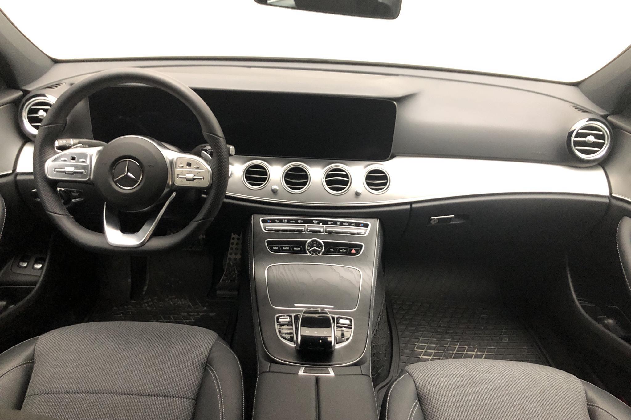 Mercedes E 220 d Sedan W213 (194hk) - 277 mil - Automat - silver - 2021