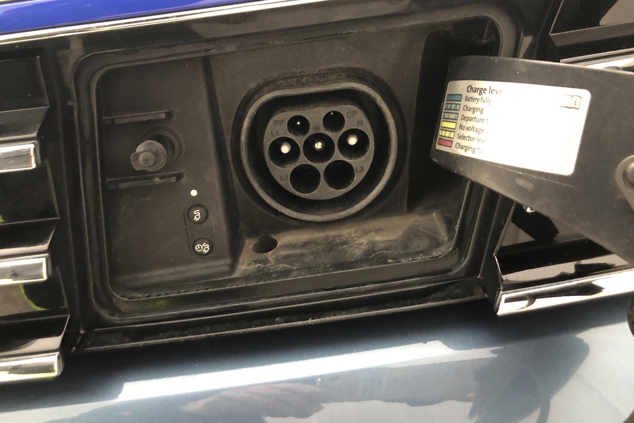 VW Passat 1.4 Plug-in-Hybrid Sportscombi (218hk) - 6 283 mil - Automat - blå - 2018