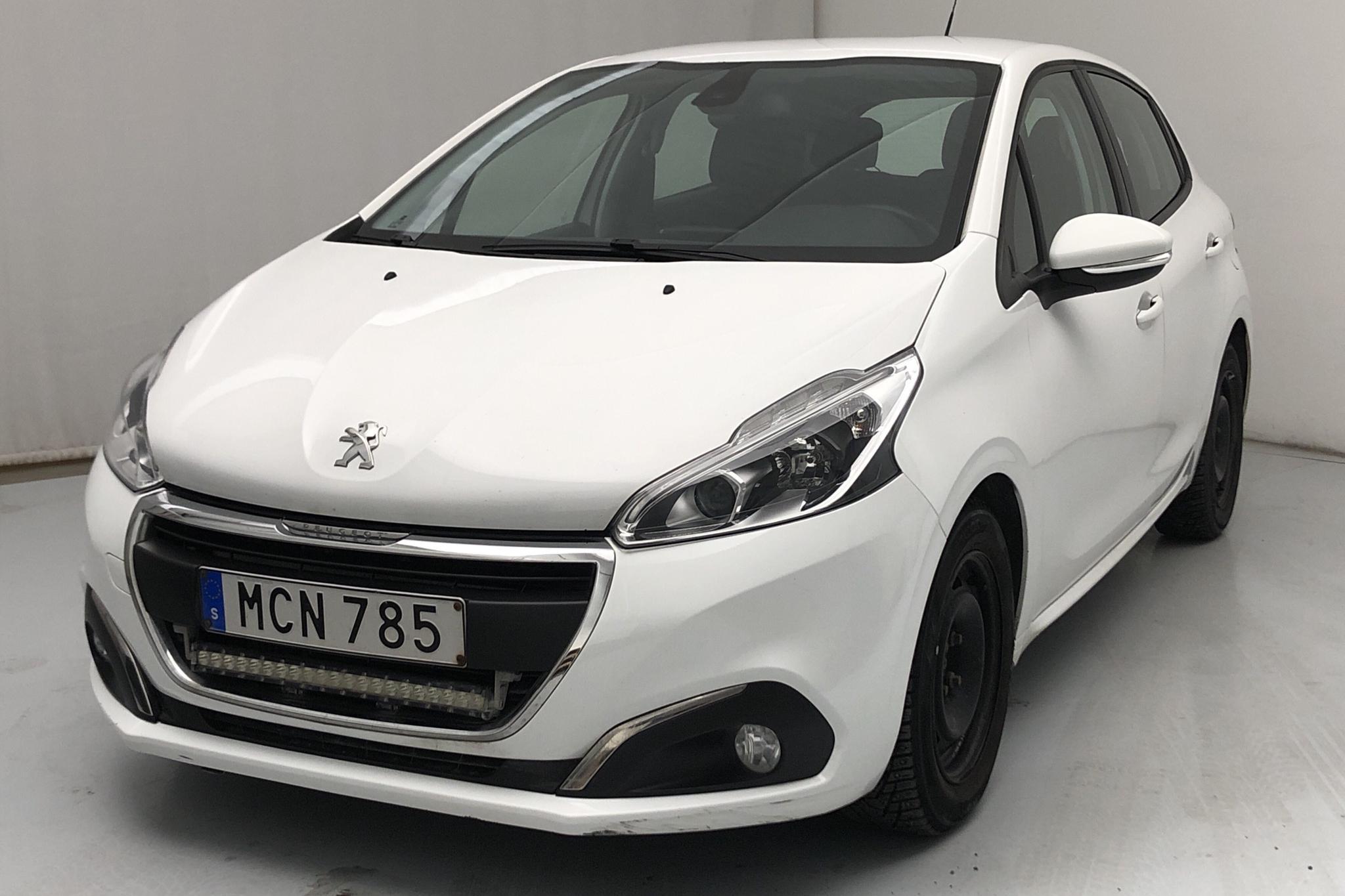Peugeot 208 BlueHDi 5dr (100hk) - 133 580 km - Manual - white - 2016