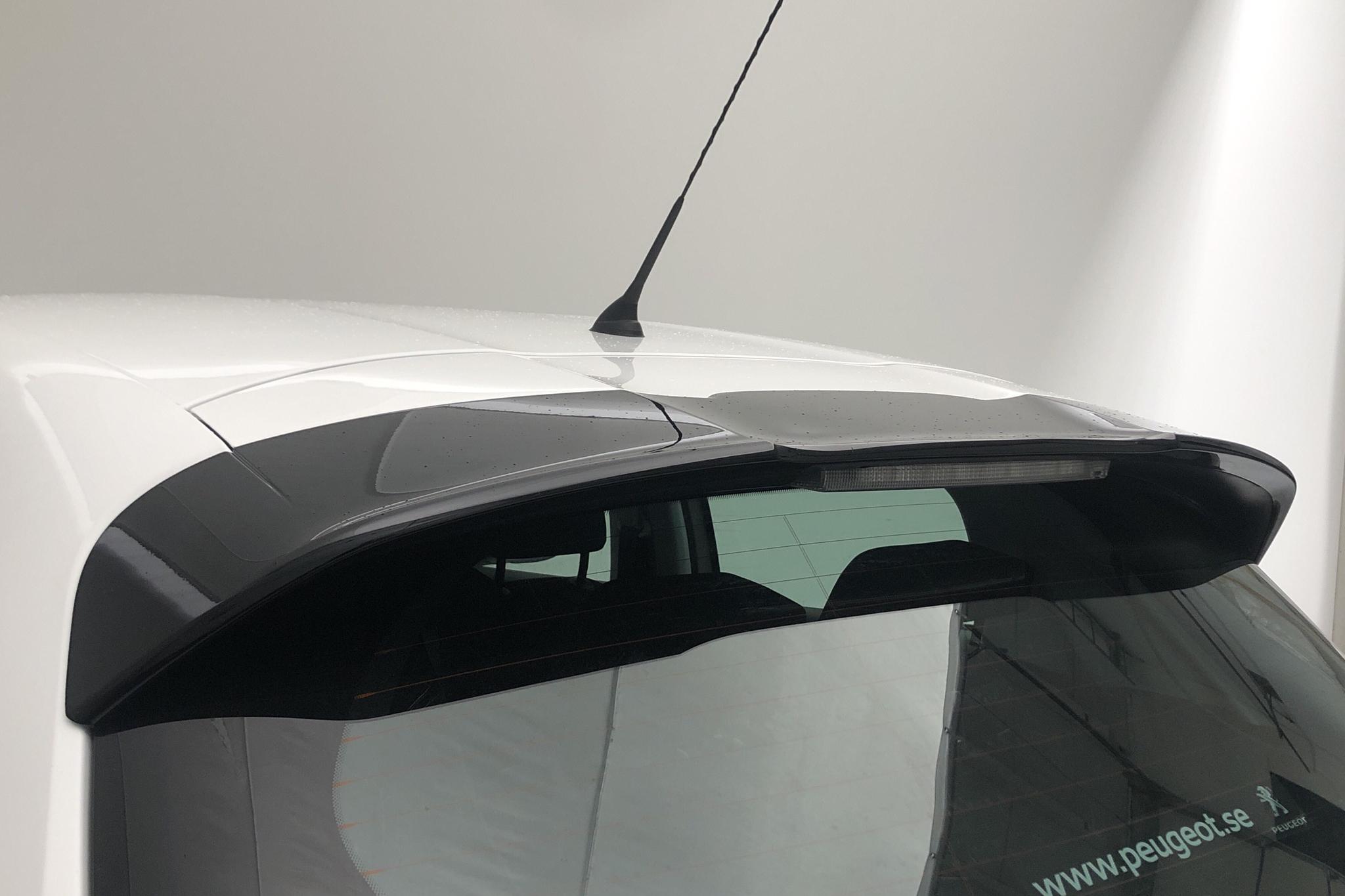 Peugeot 208 BlueHDi 5dr (100hk) - 118 350 km - Manual - white - 2016