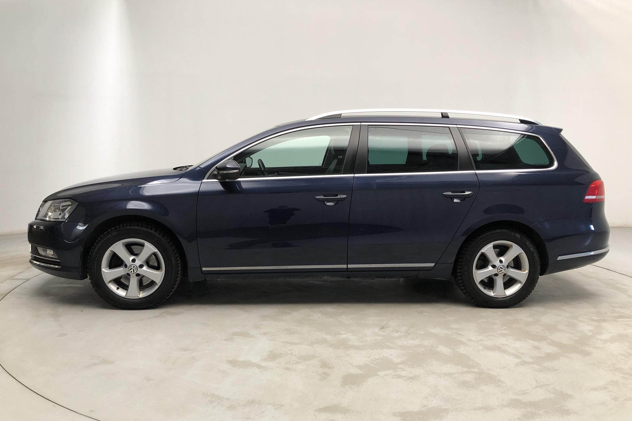 VW Passat 1.4 TSI EcoFuel Variant (150hk) - 8 800 mil - Automat - Dark Blue - 2014