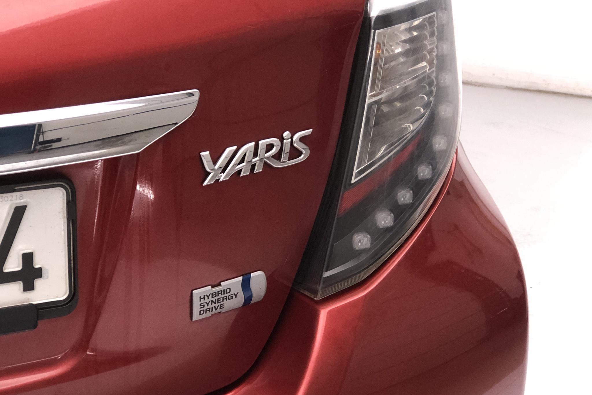 Toyota Yaris 1.5 HSD 5dr (75hk) - 163 580 km - Automatic - red - 2013